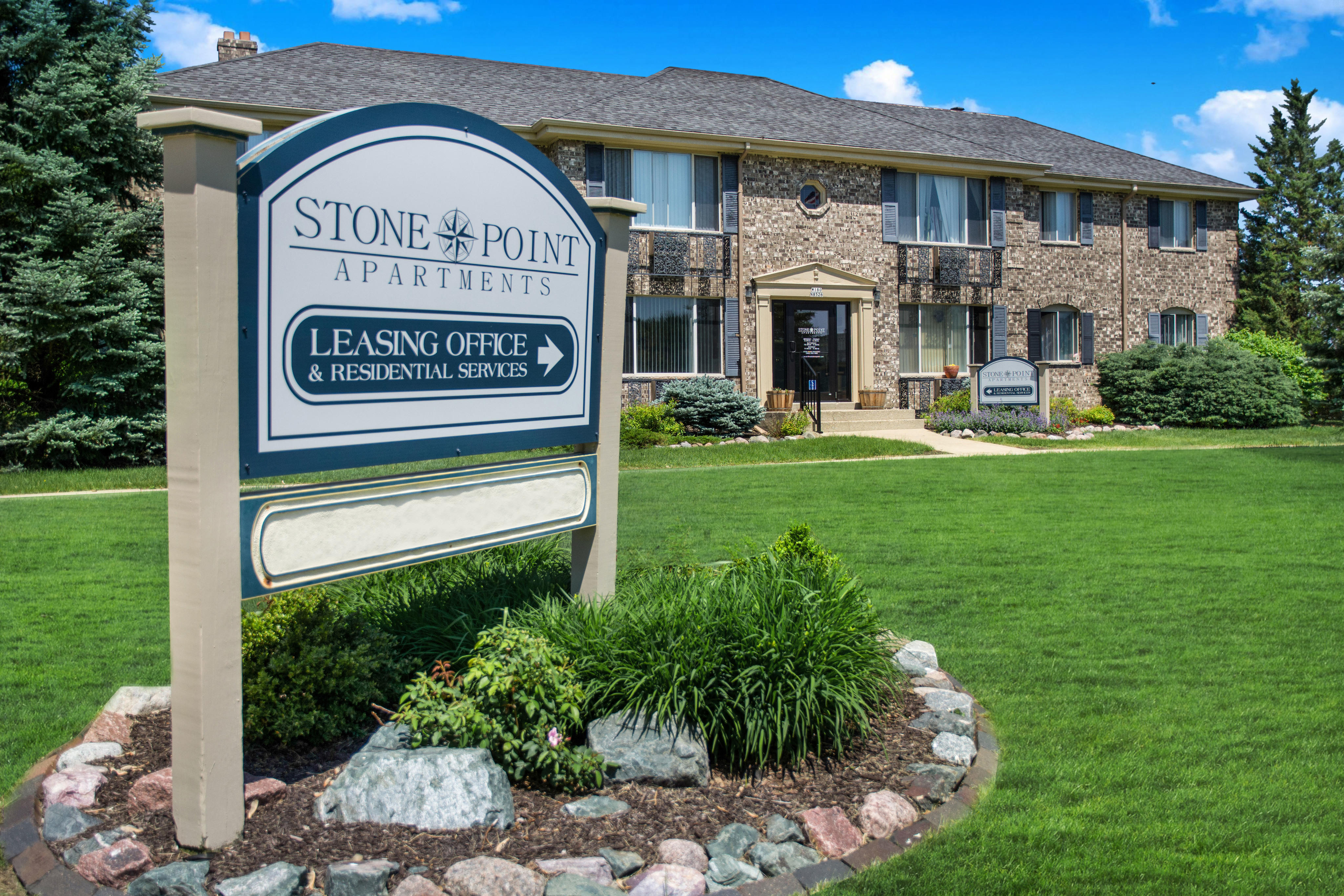 Stone Point Apartments image 0