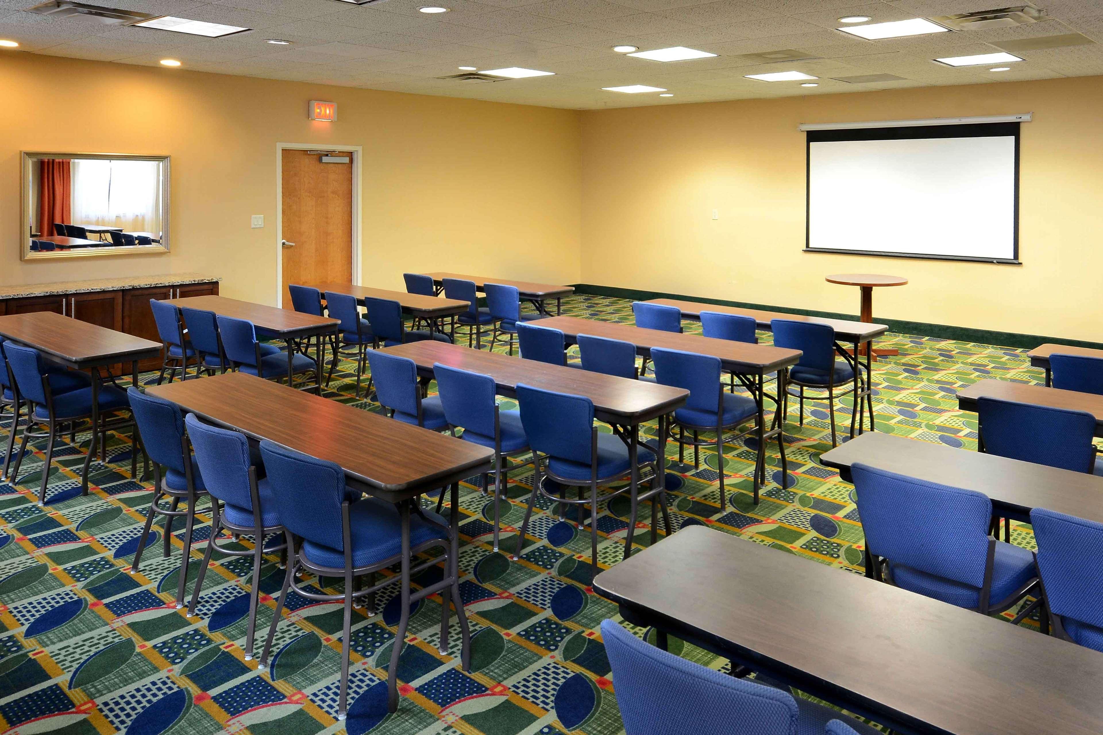 Hampton Inn Fayetteville Fort Bragg image 37