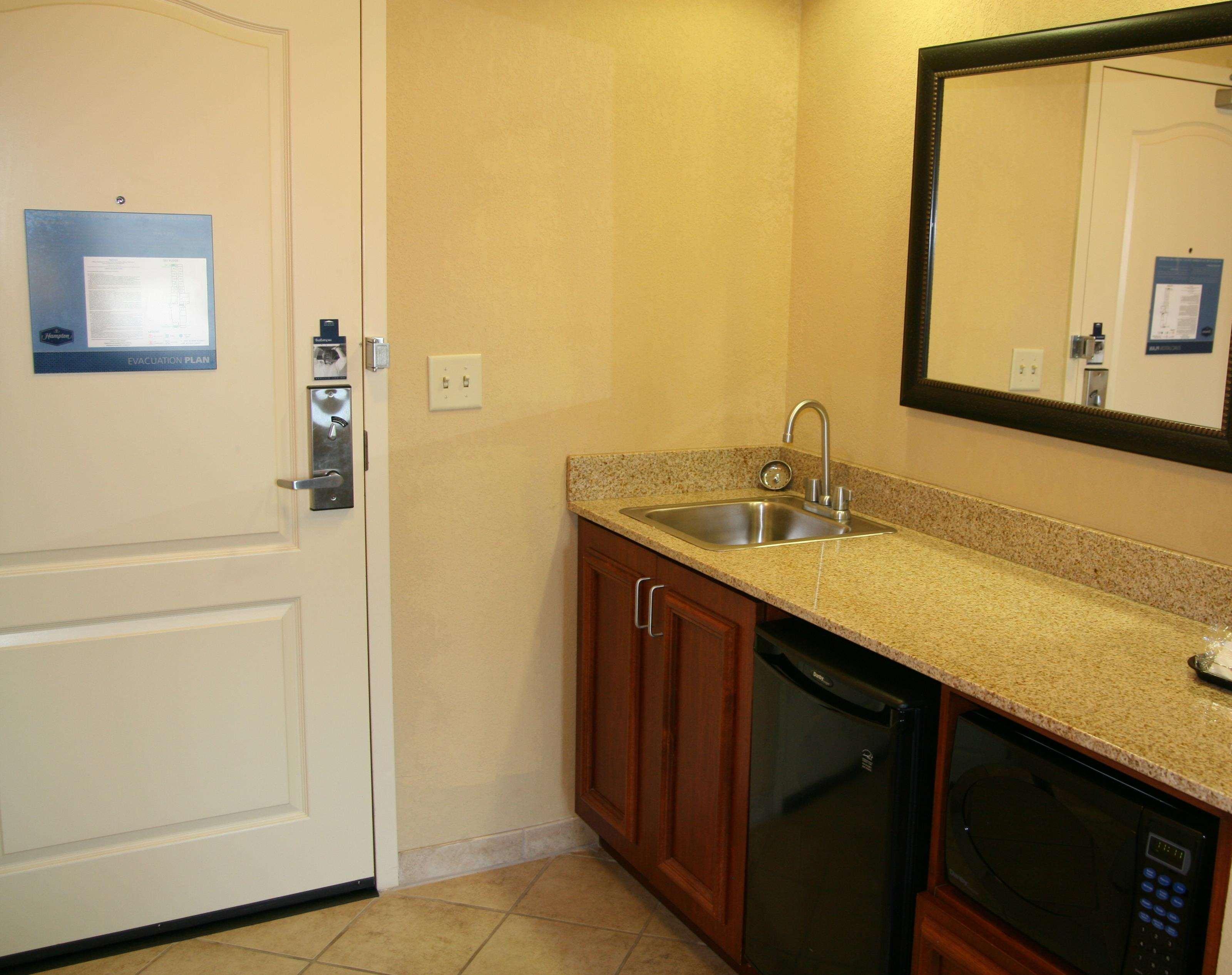 Hampton Inn & Suites Paducah image 30