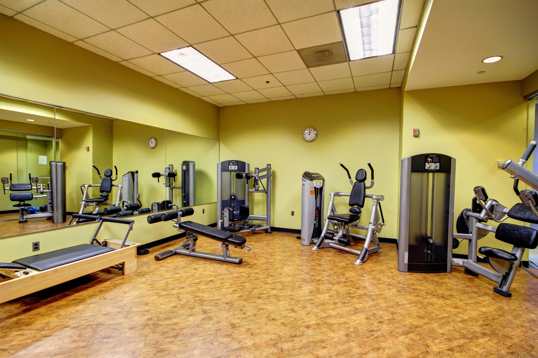 Crunch Fitness - Metro Center image 9