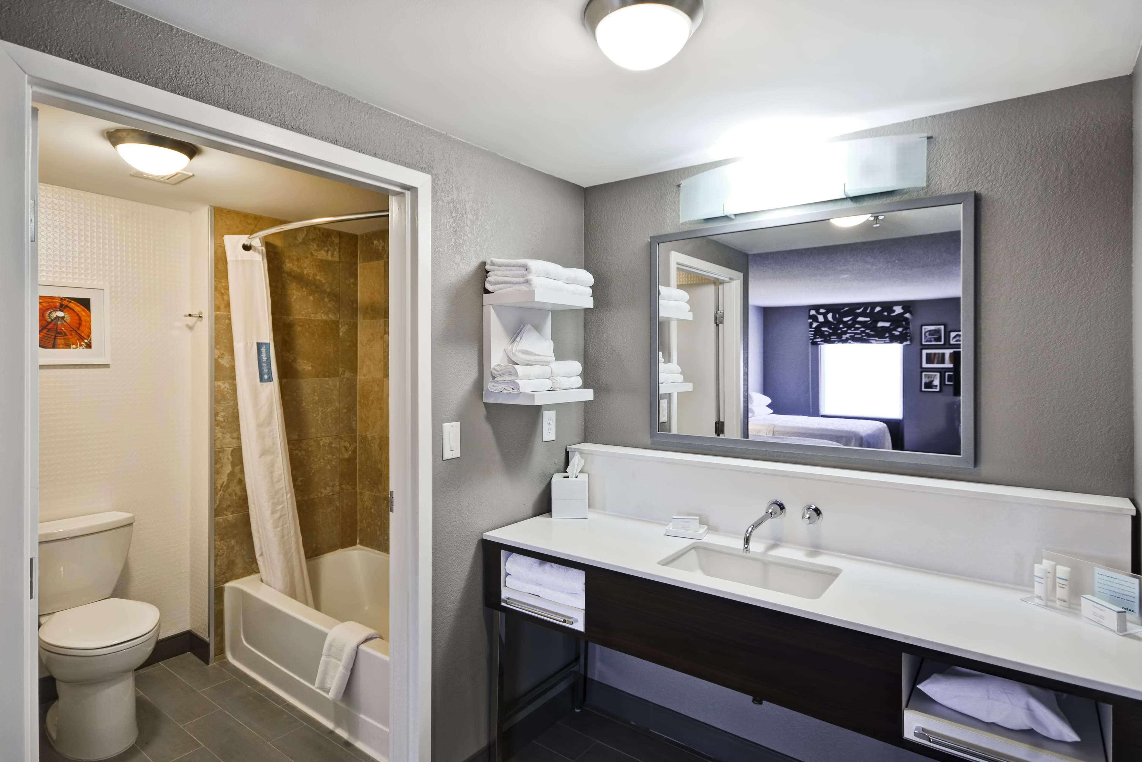 Hampton Inn & Suites Columbus-Easton Area image 32