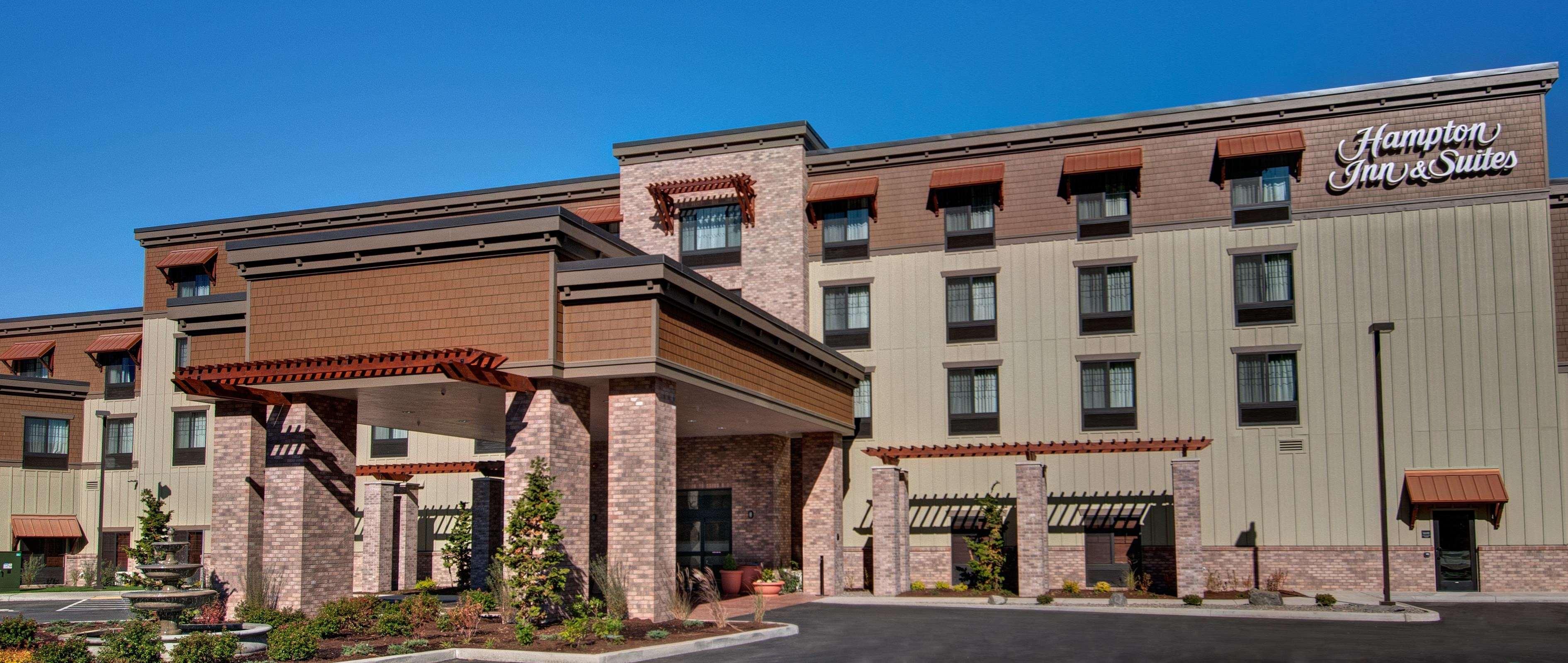 Hampton Inn & Suites Astoria image 0