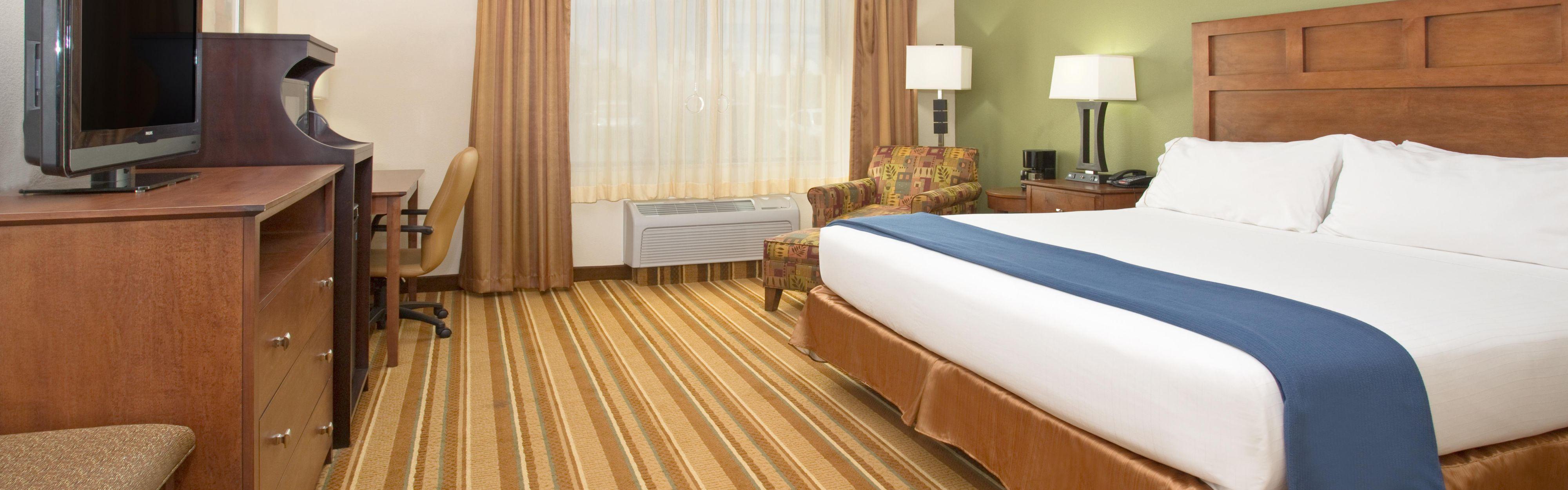 Holiday Inn Express & Suites Los Alamos Entrada Park image 1