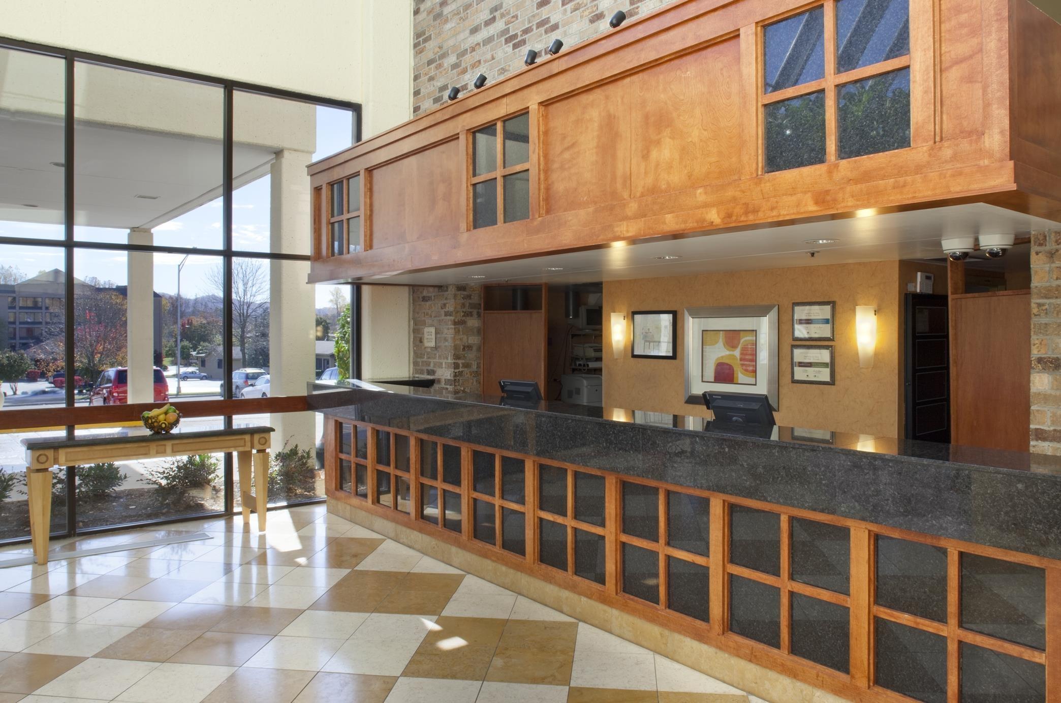 DoubleTree by Hilton Hotel Oak Ridge - Knoxville image 2