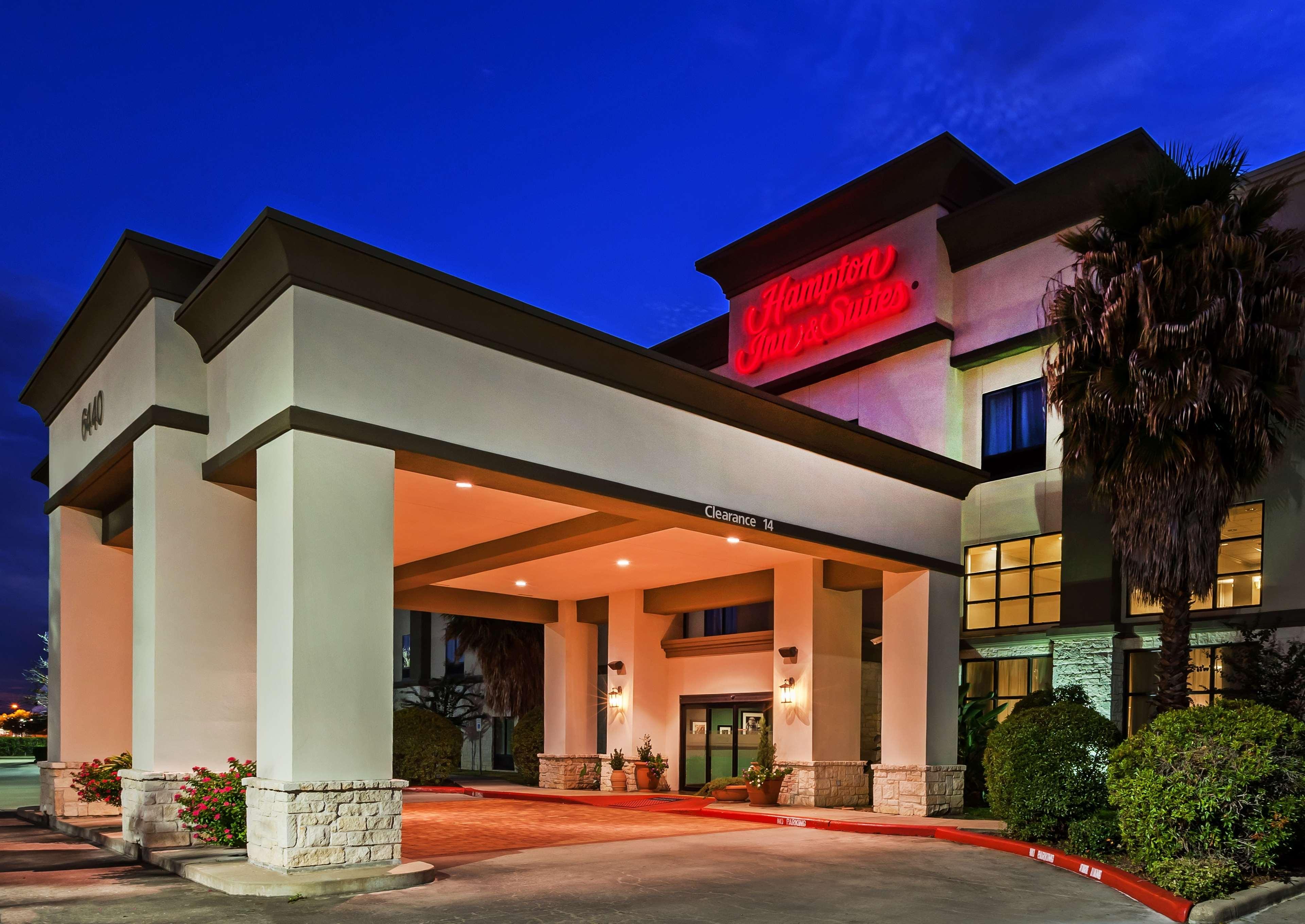 Hampton Inn & Suites Houston-Westchase image 0