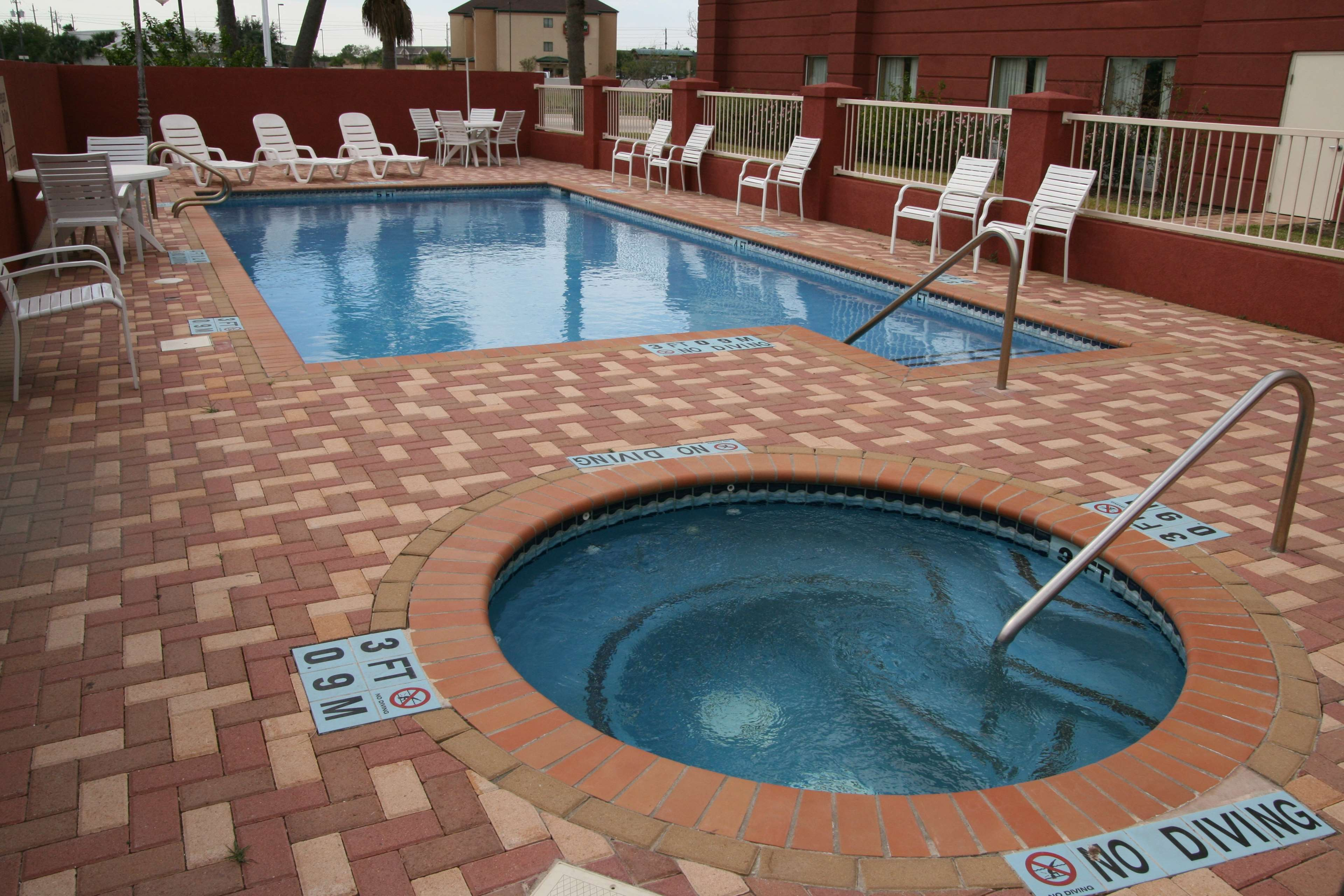 Hampton Inn and Suites Brownsville image 4