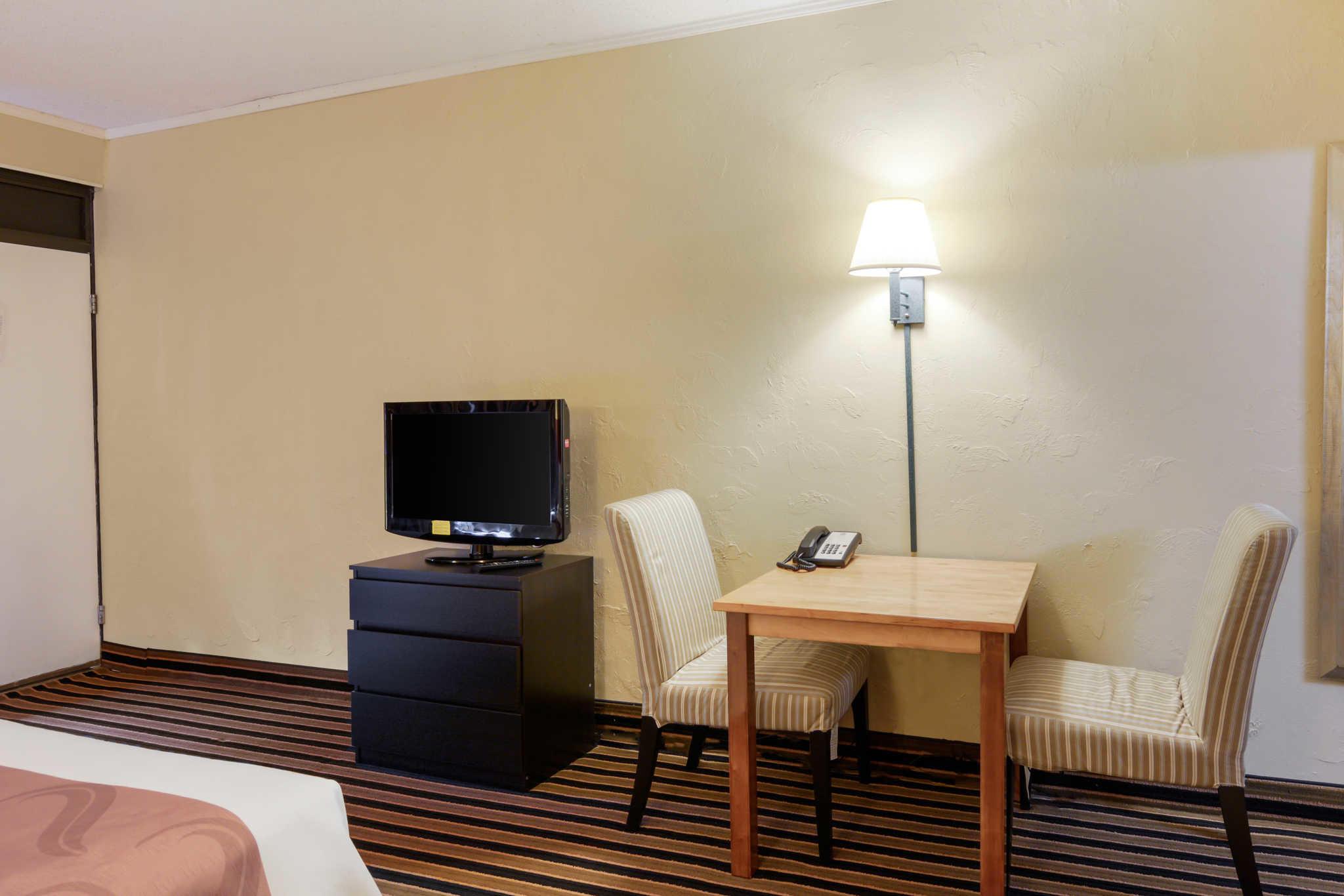 Quality Inn Skyline Drive image 12