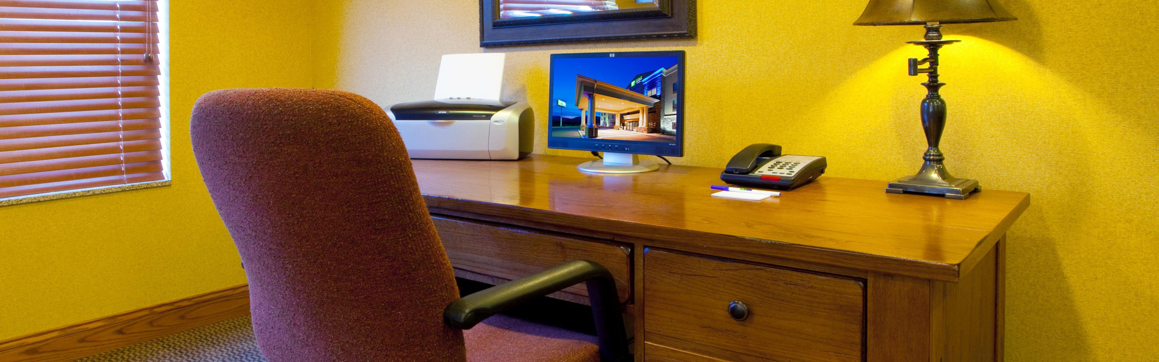 Holiday Inn Express & Suites Weston image 2