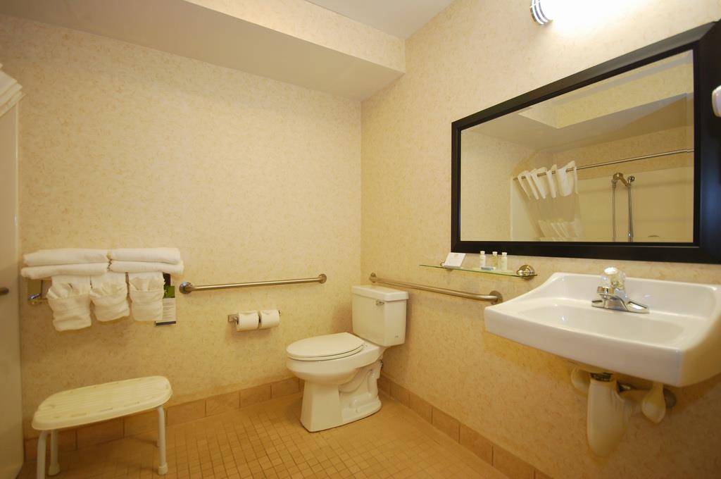 Best Western Plus Berkshire Hills Inn & Suites image 37