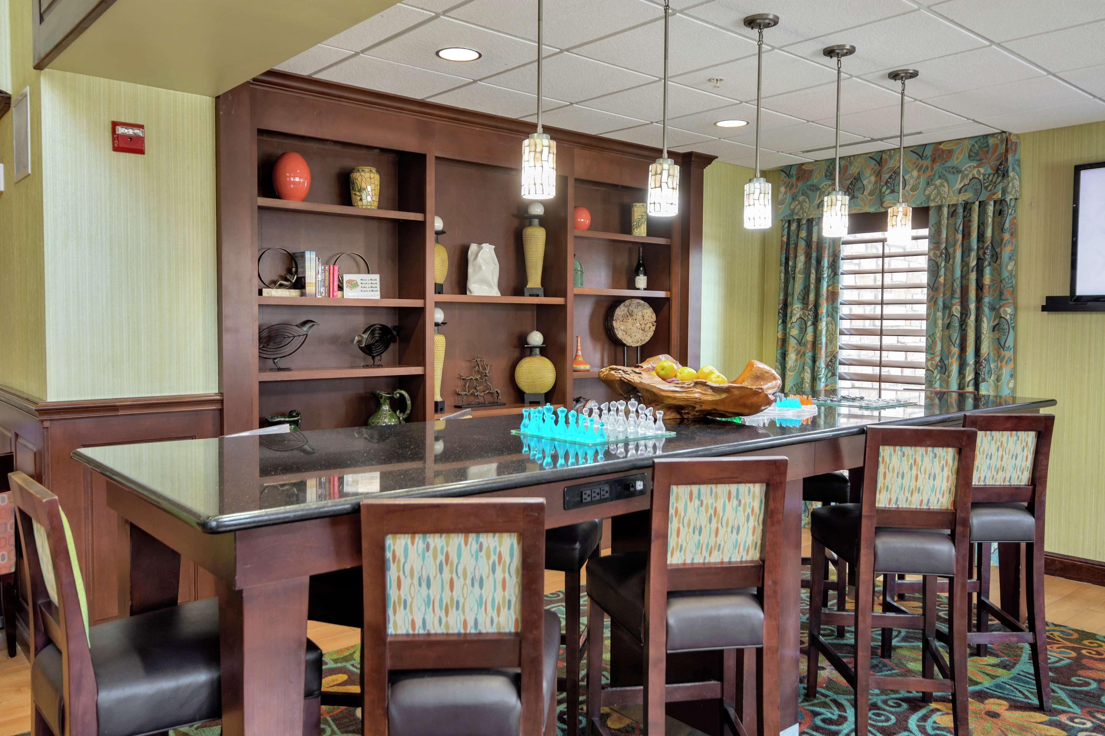 Hampton Inn & Suites Dallas-DFW ARPT W-SH 183 Hurst