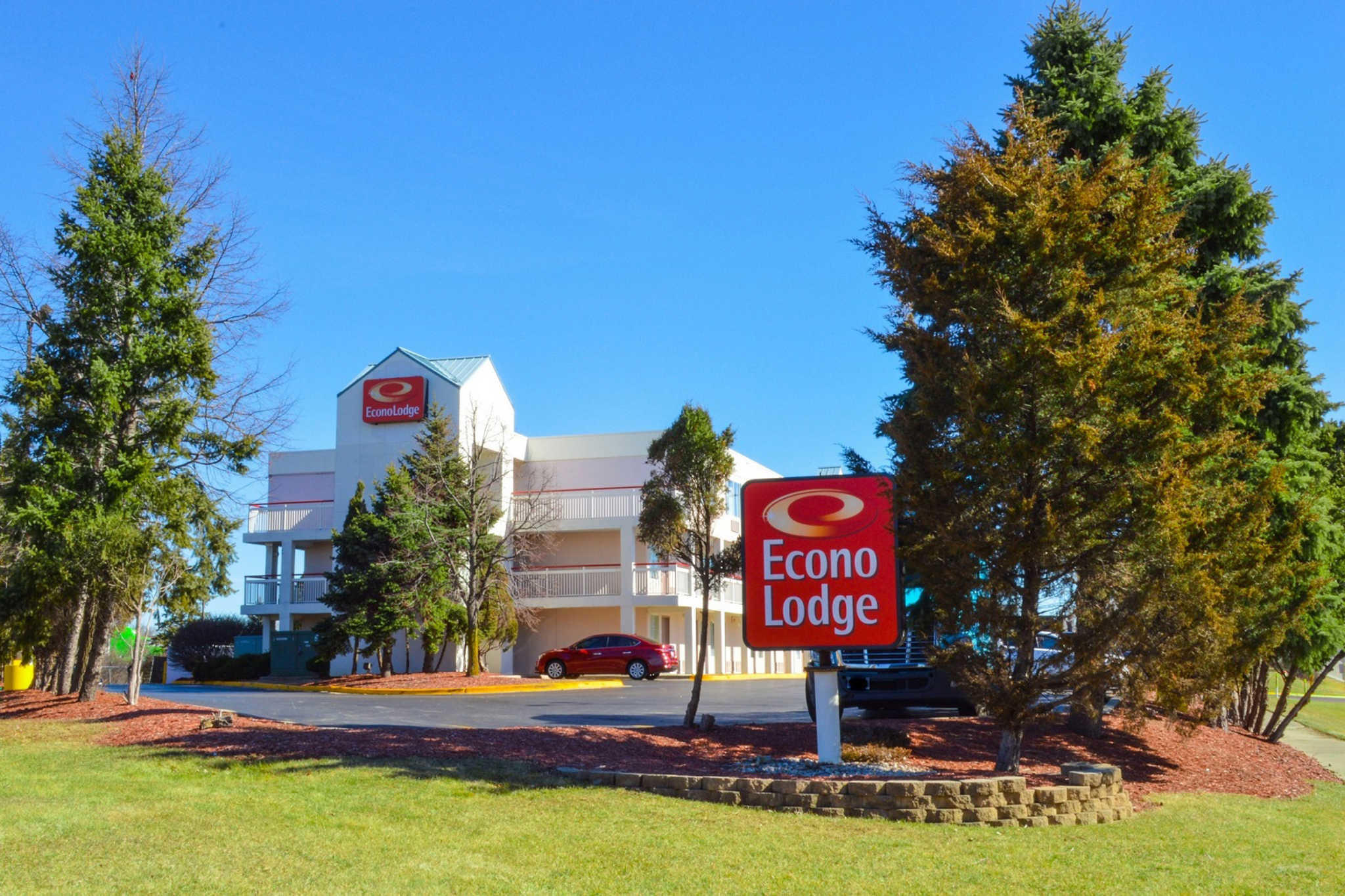 Econo Lodge image 0