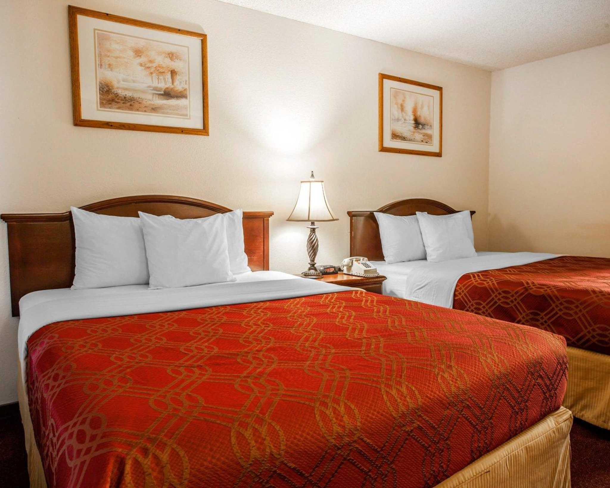 Econo Lodge Renton-Bellevue image 13