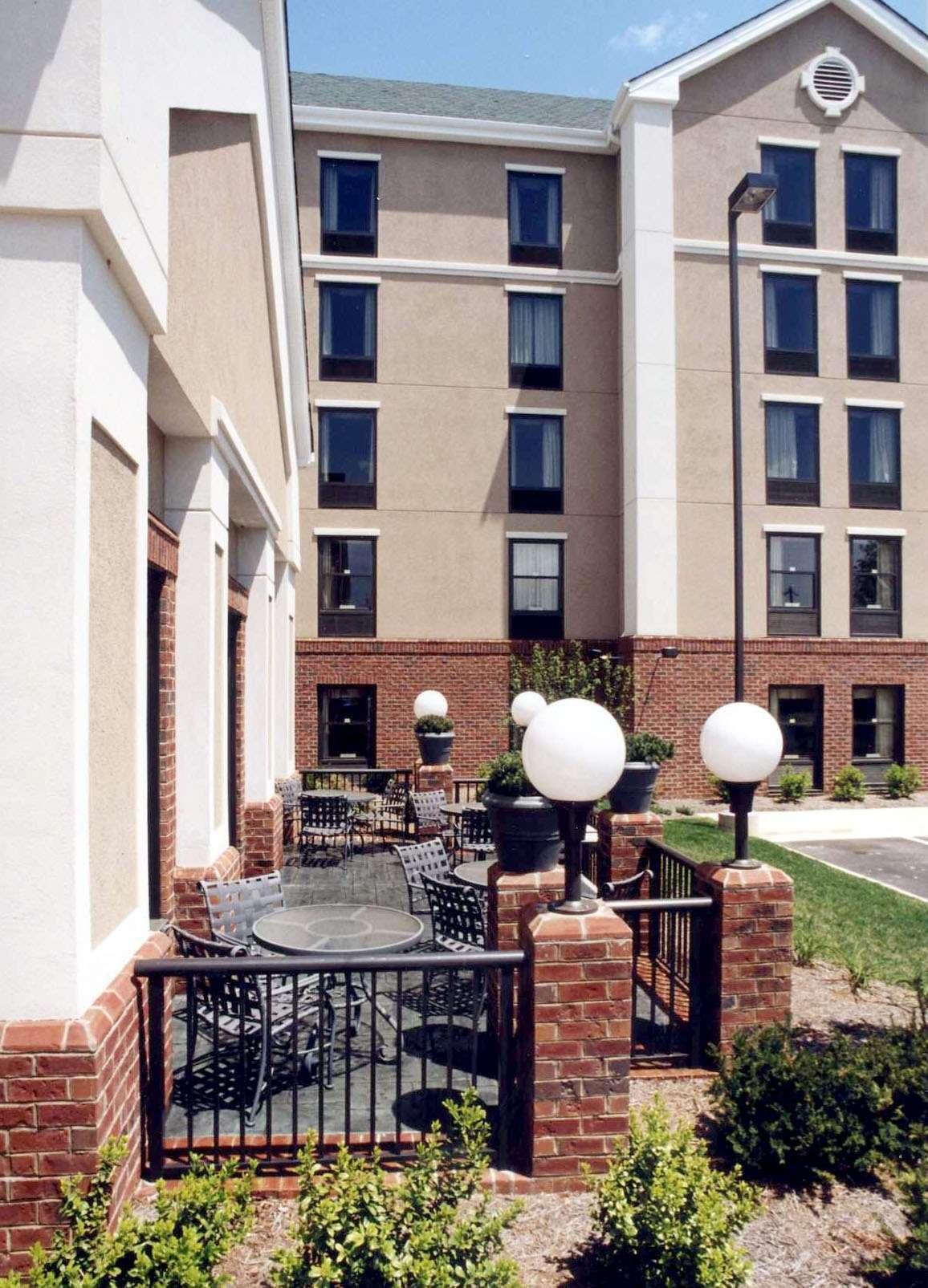 Hampton Inn & Suites Asheville-I-26 image 1