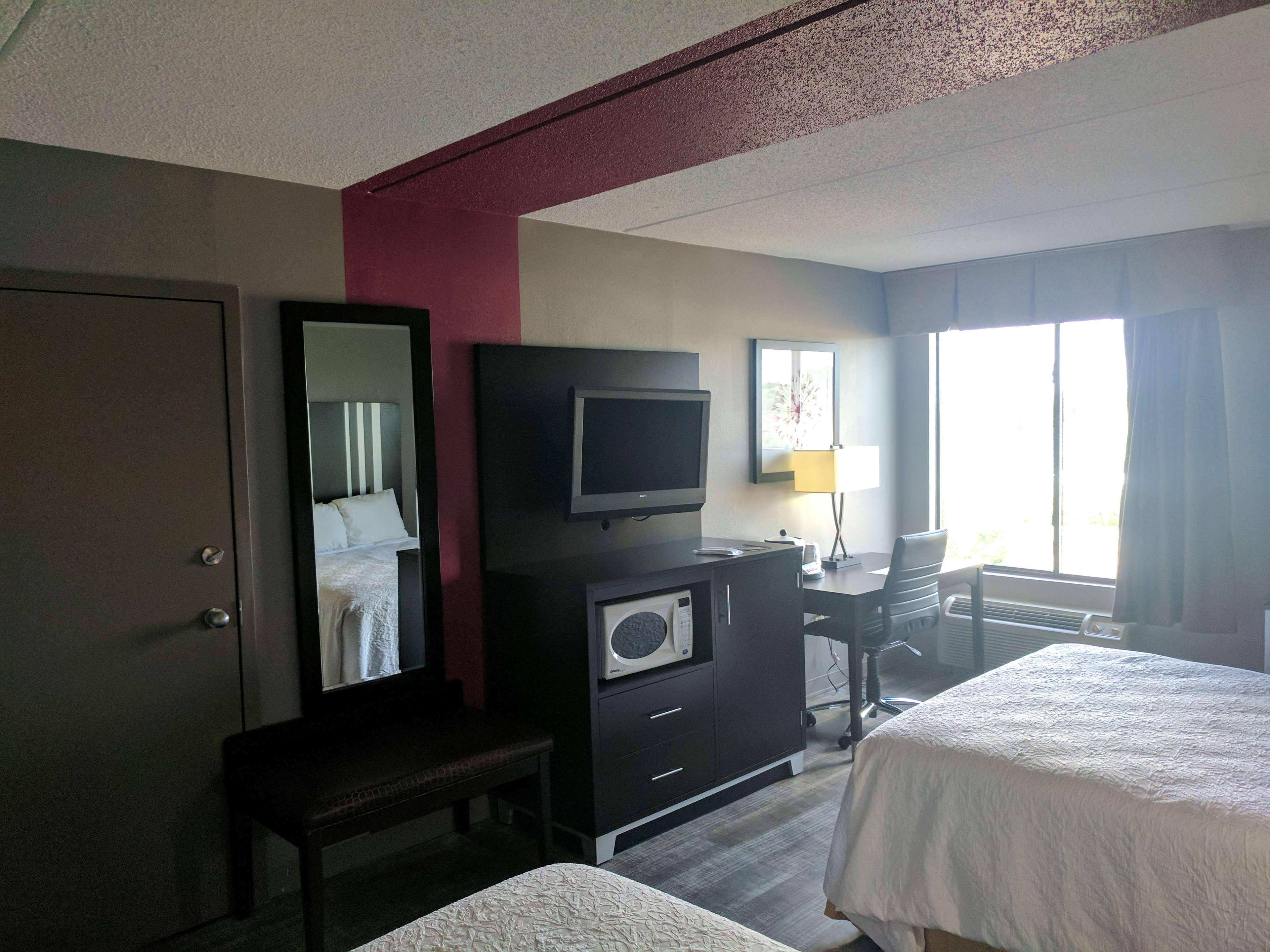Best Western Plus Greensboro Airport Hotel image 13