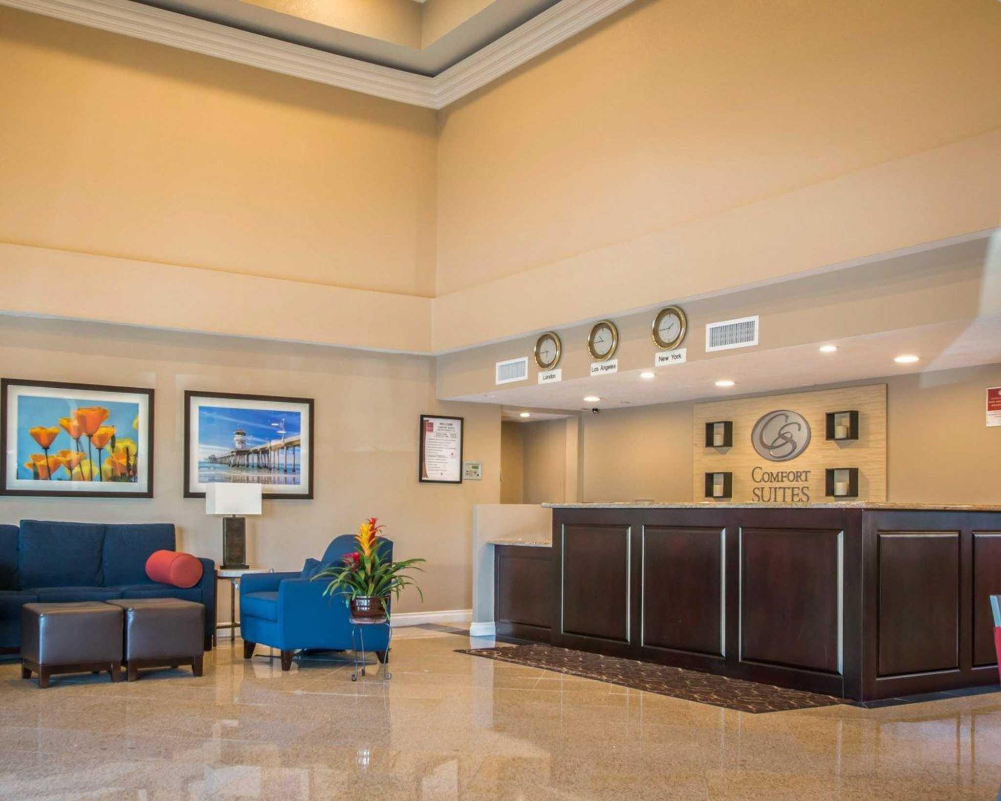 Comfort Suites Huntington Beach image 12