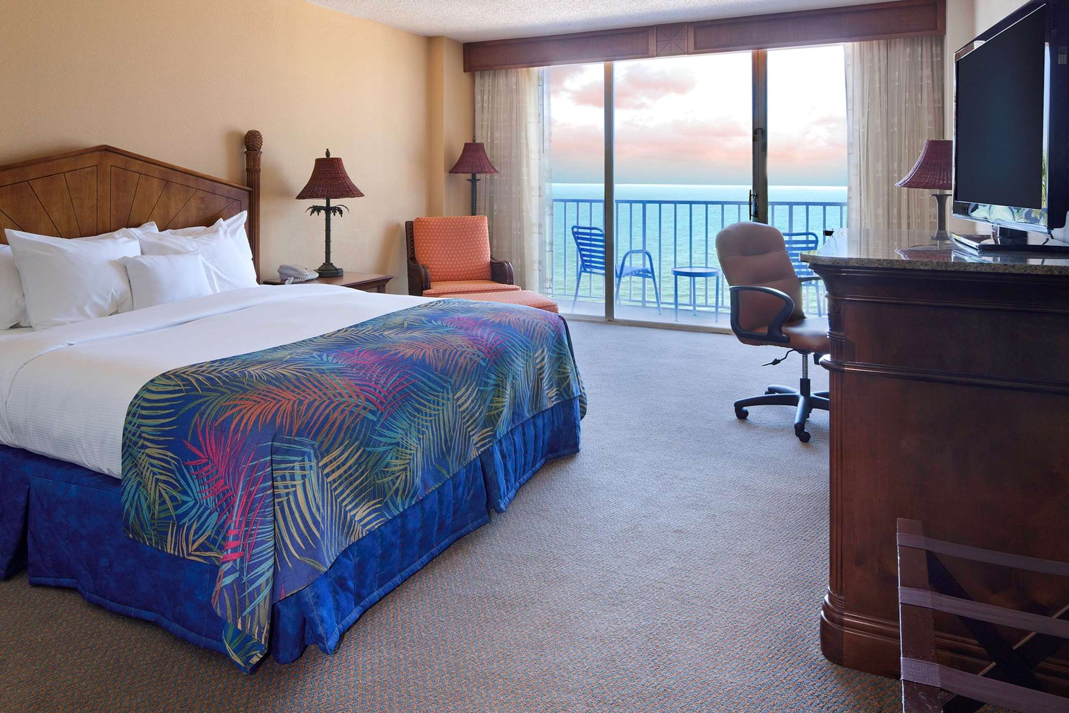 DoubleTree Beach Resort by Hilton Hotel Tampa Bay - North Redington Beach image 9