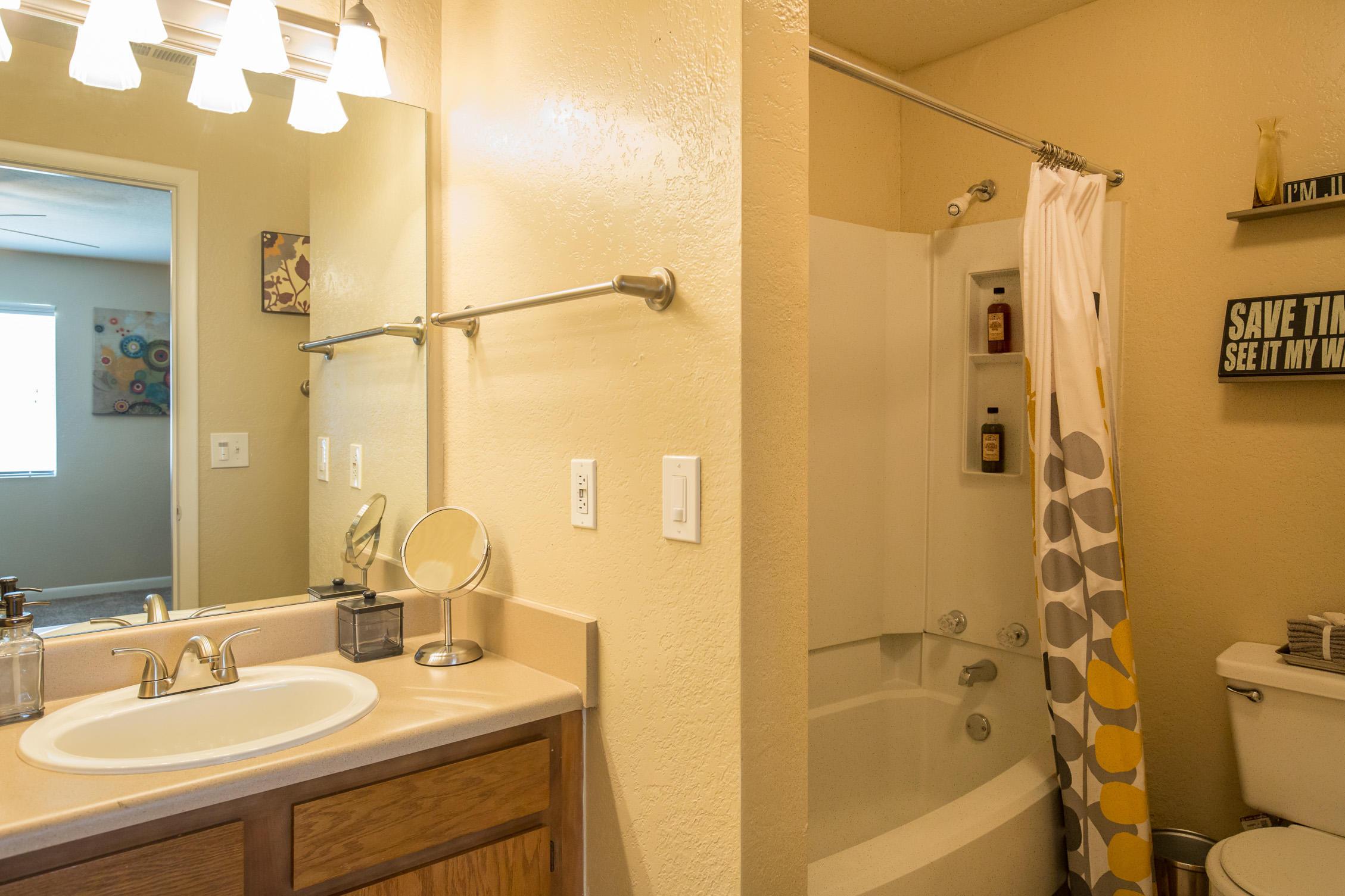 Timberlake Village Apartments image 22