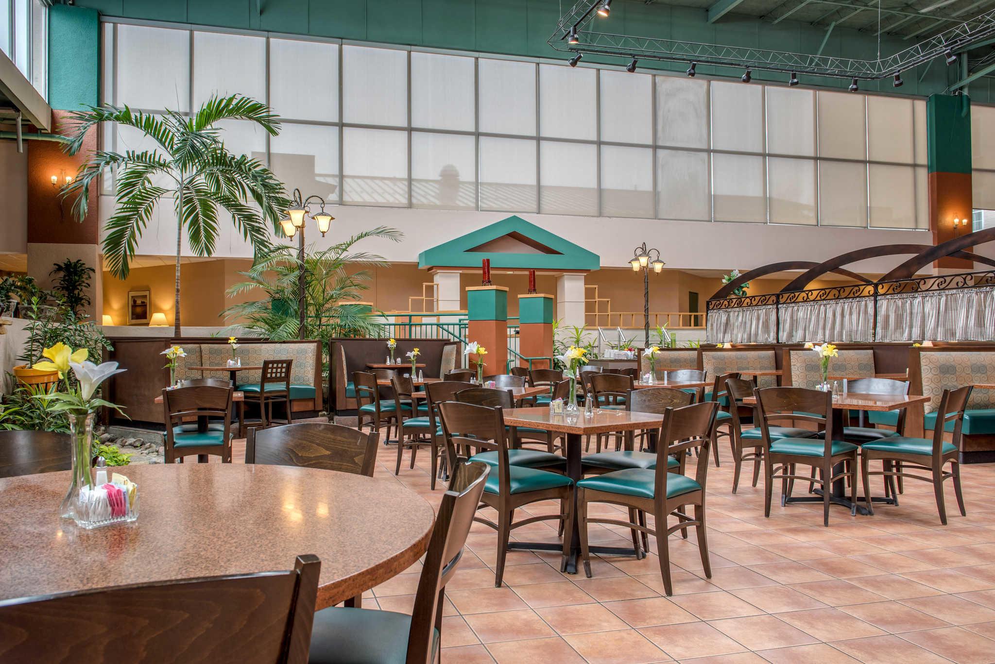 Quality Hotel - Cincinnati Blue Ash image 30