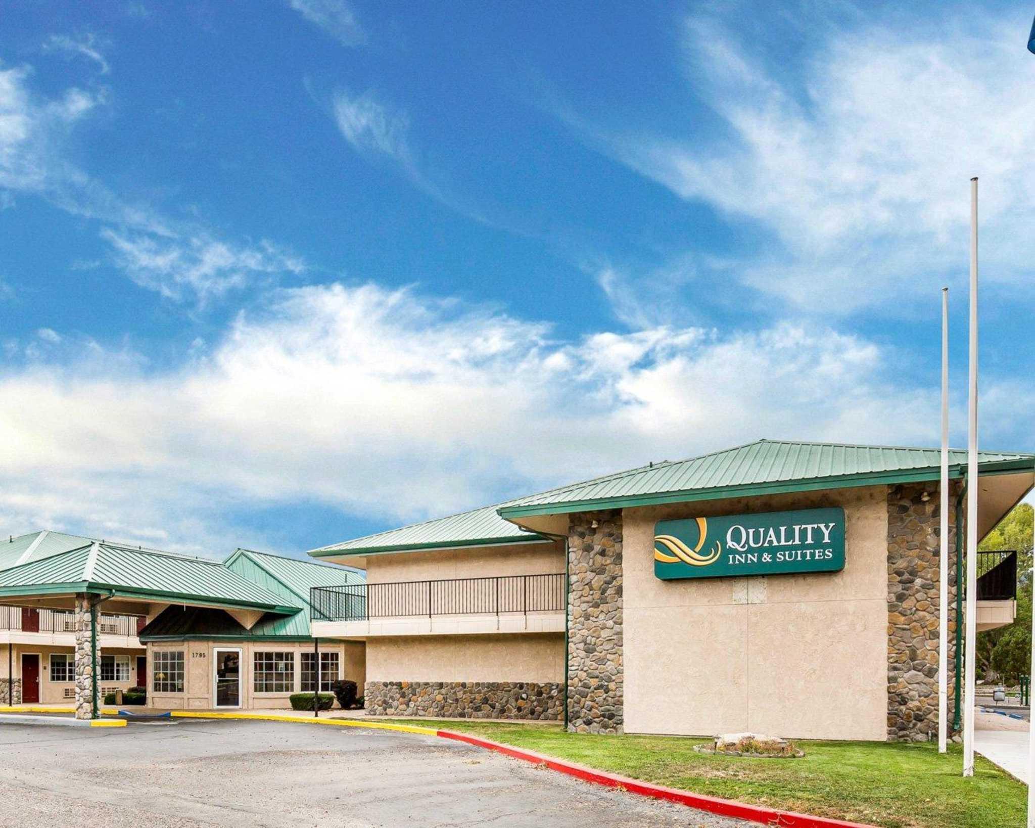 Quality Inn & Suites Minden US-395 image 0