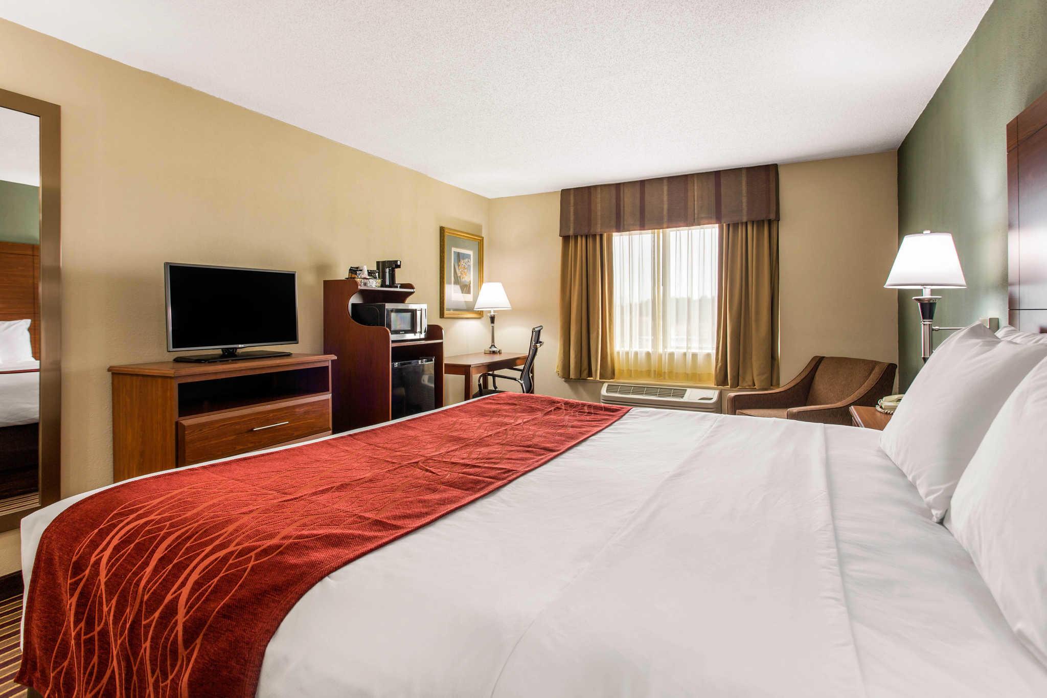 Comfort Inn & Suites Crabtree Valley image 9