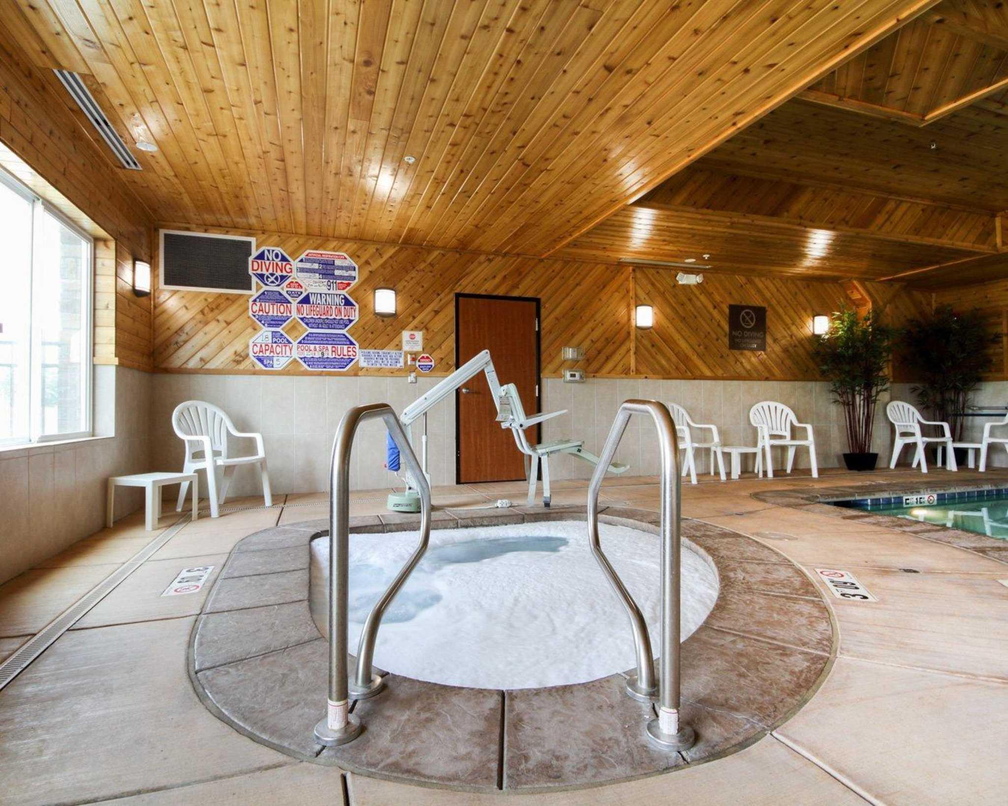 Comfort Suites Redding - Shasta Lake image 6