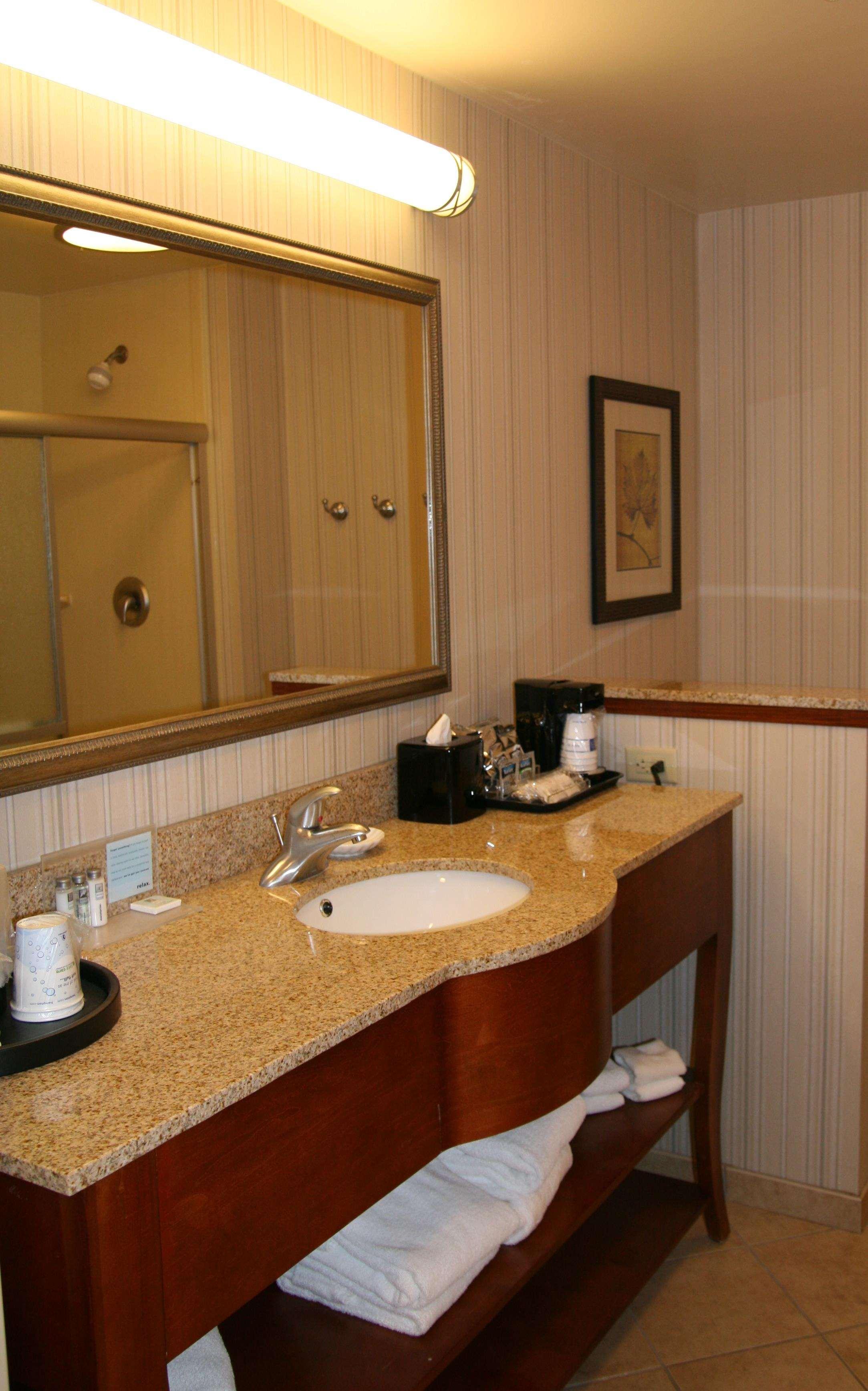 Hampton Inn & Suites Paducah image 31