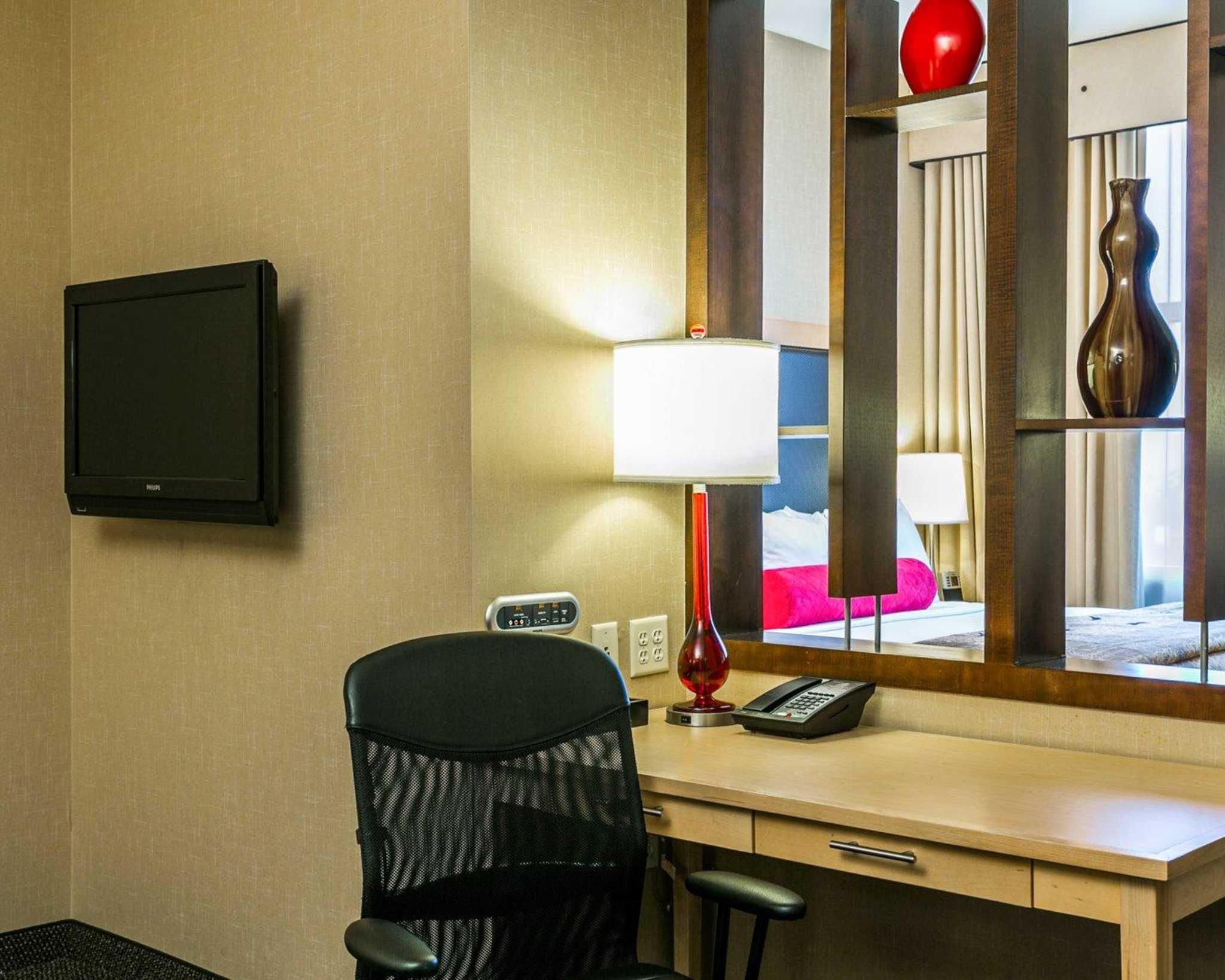 Cambria Hotel Denver International Airport image 17