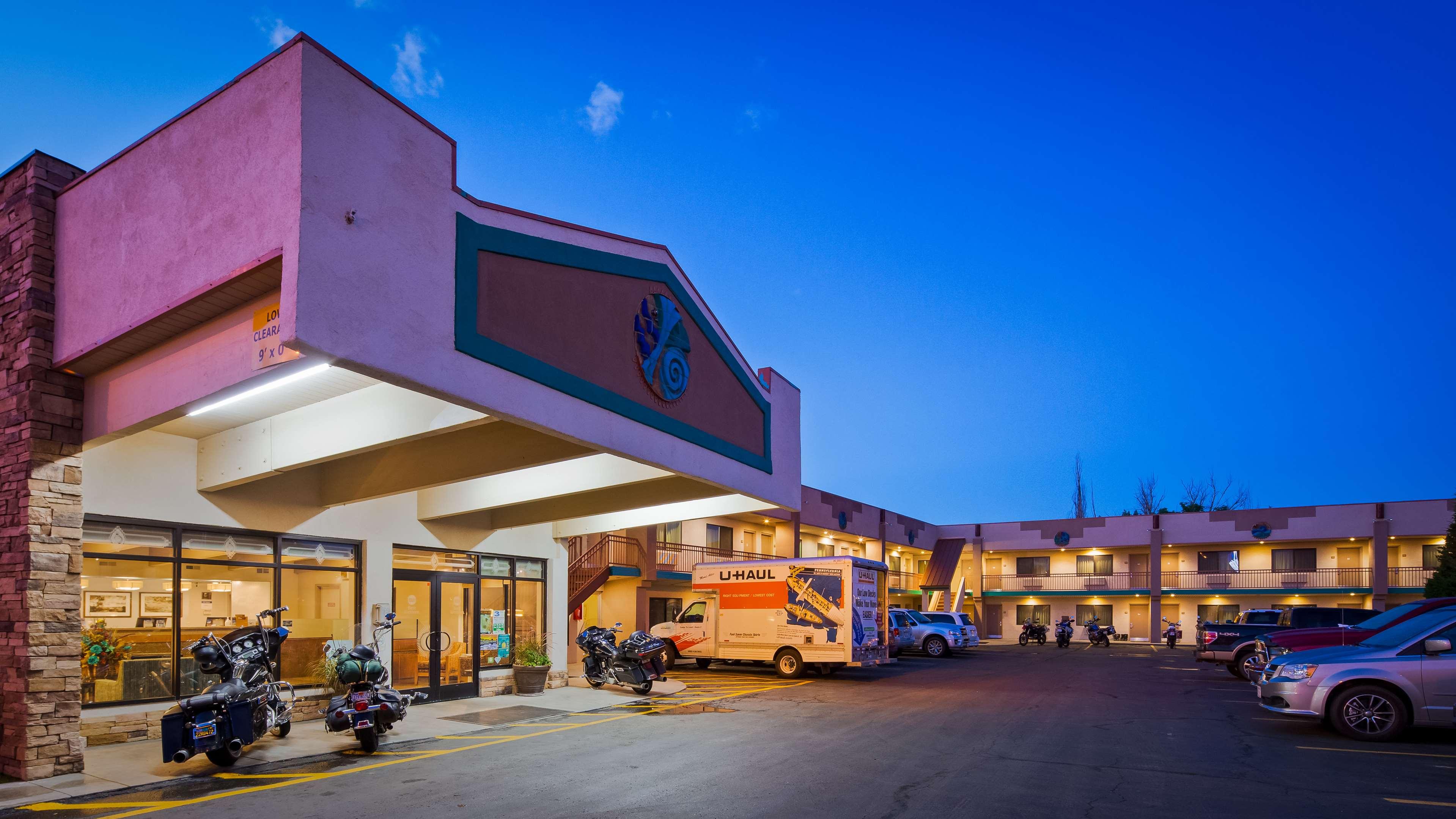Best Western Turquoise Inn & Suites image 2