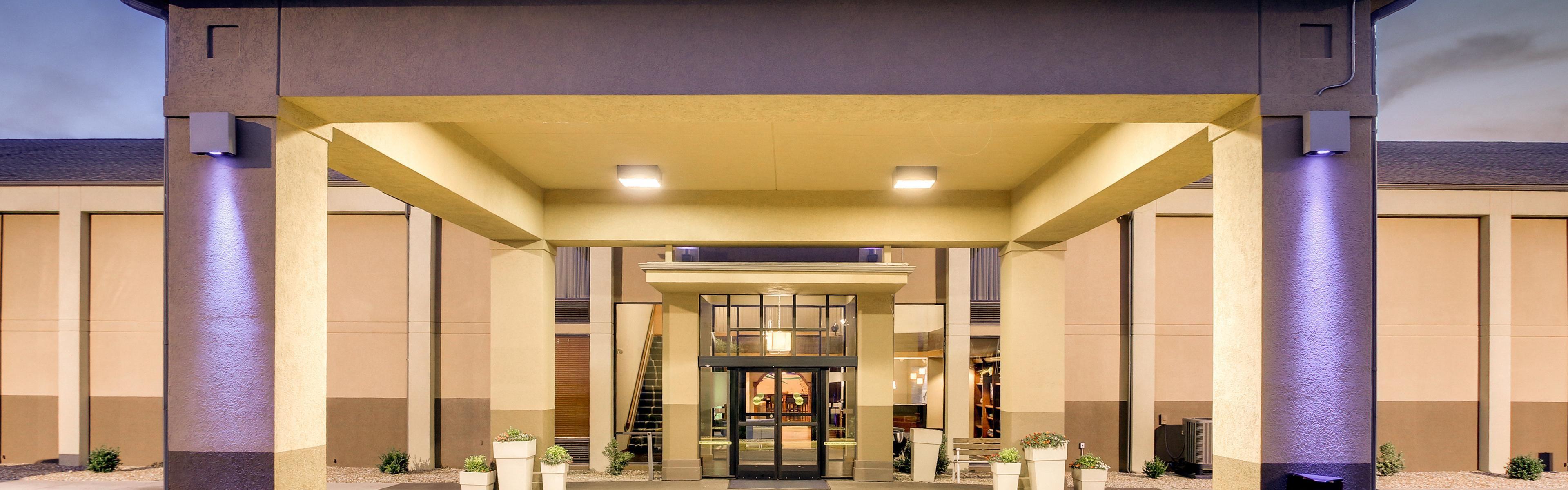 Holiday Inn Express Marshfield (Springfield Area) image 0