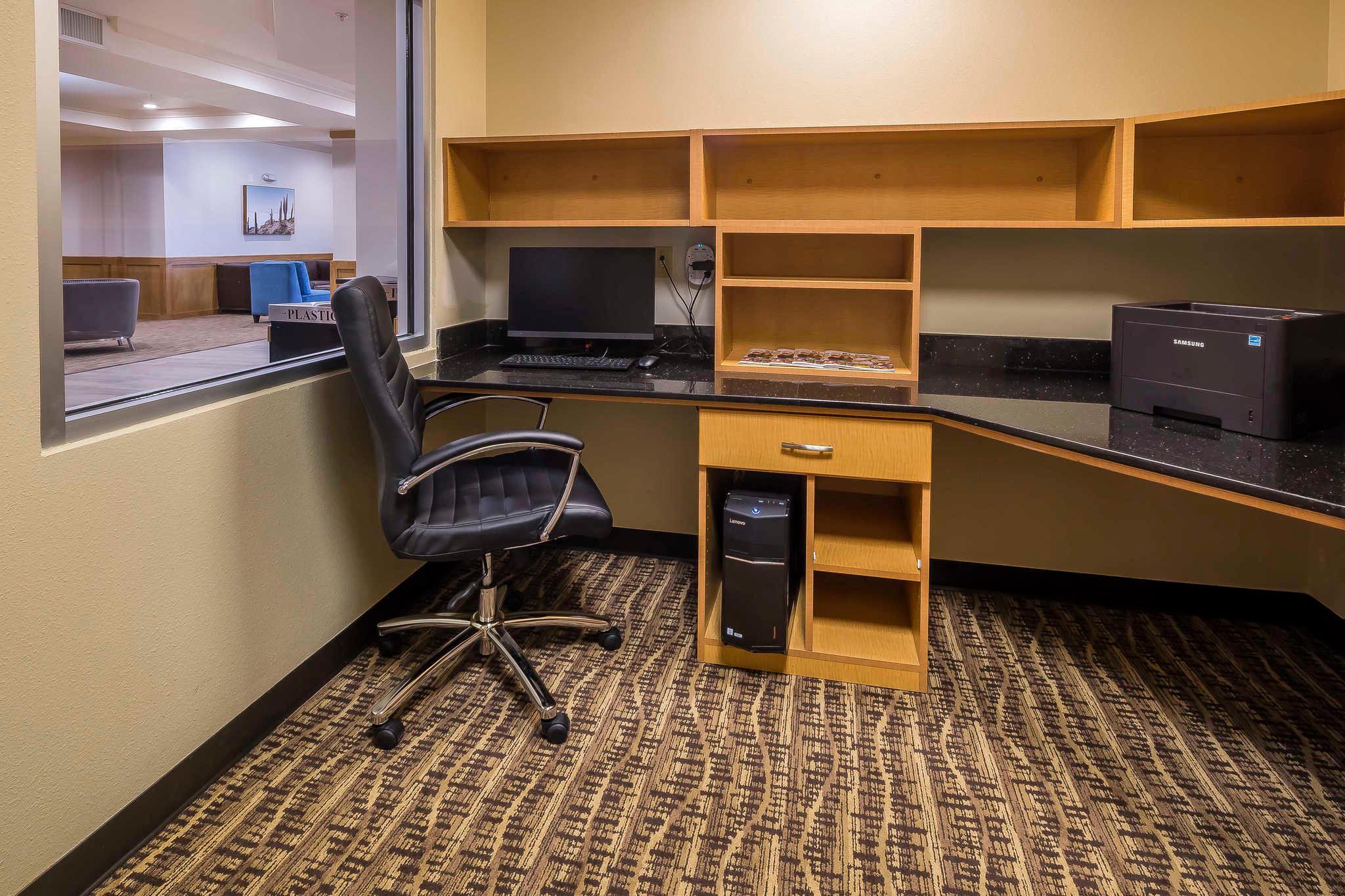 Comfort Suites El Paso Airport image 27