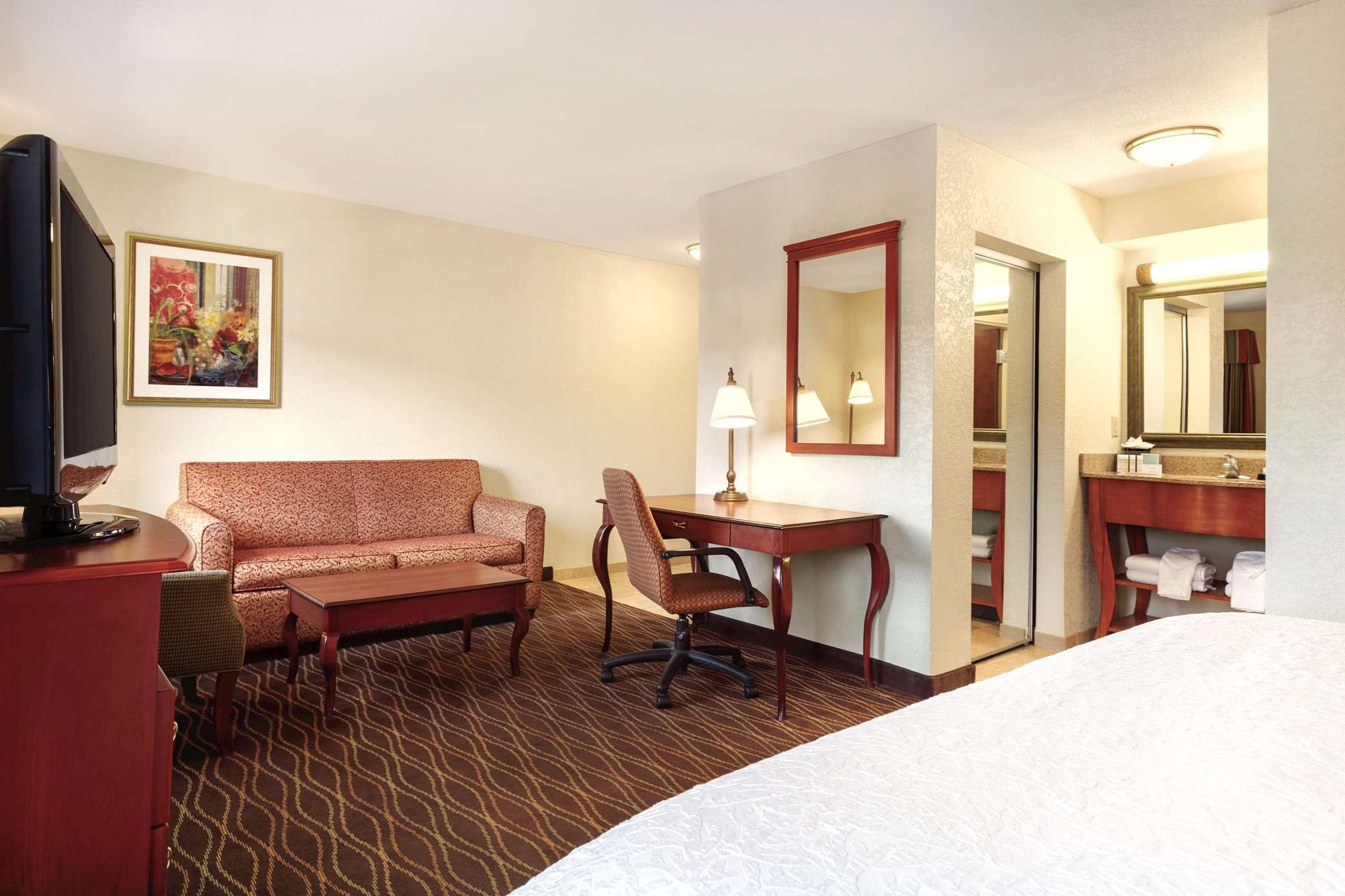 Hampton Inn & Suites Greenfield image 35