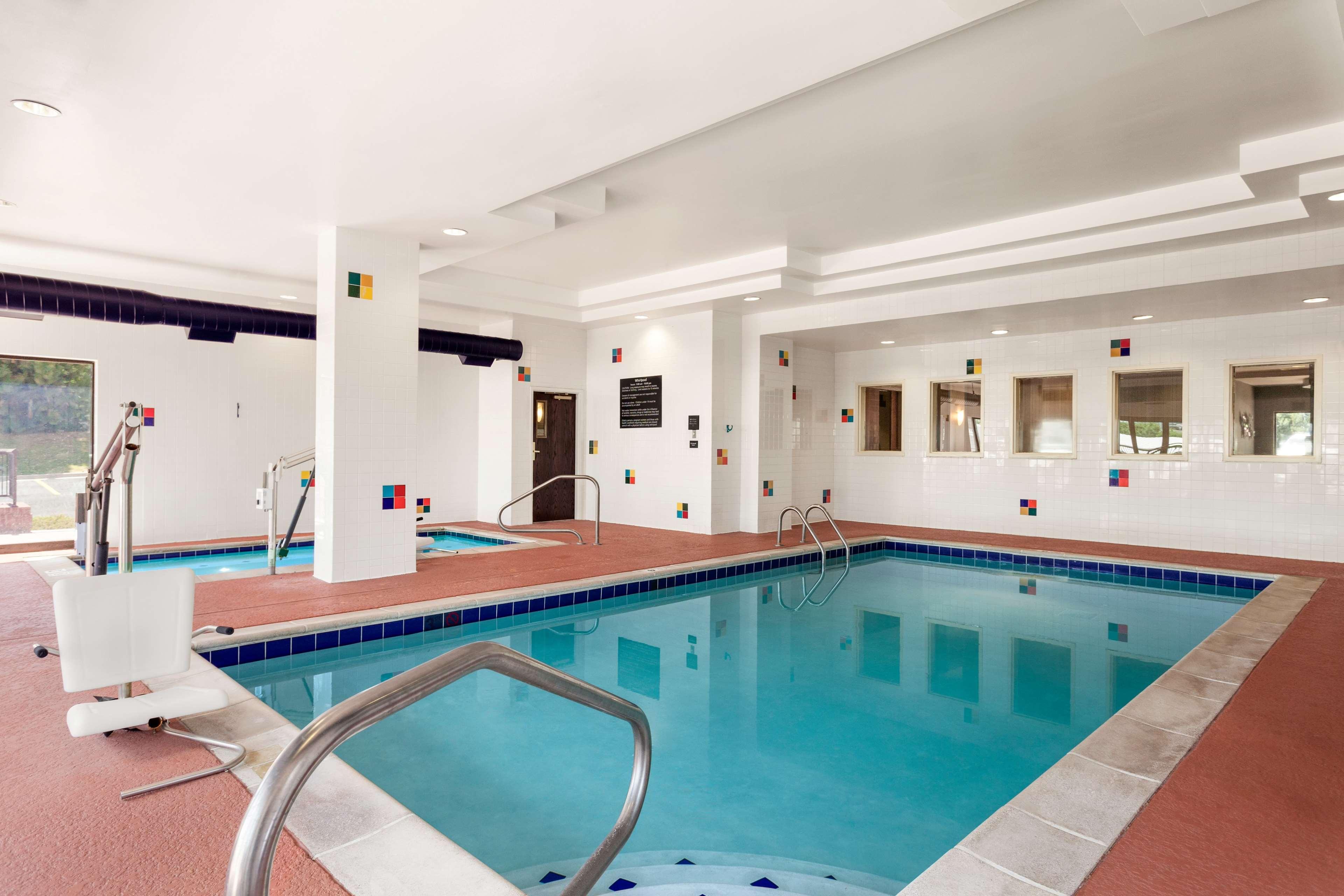 Hampton Inn & Suites Denver-Cherry Creek image 5