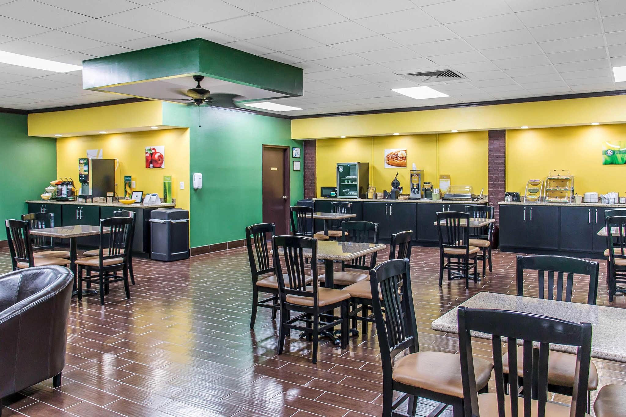 Quality Inn Hinesville - Fort Stewart Area image 21