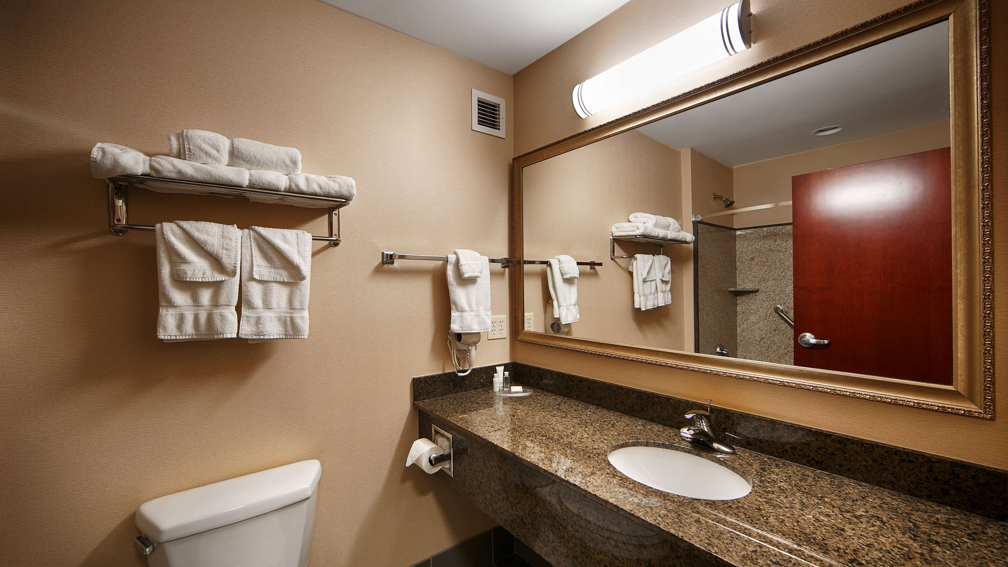 Best Western Plus Fossil Country Inn & Suites image 17