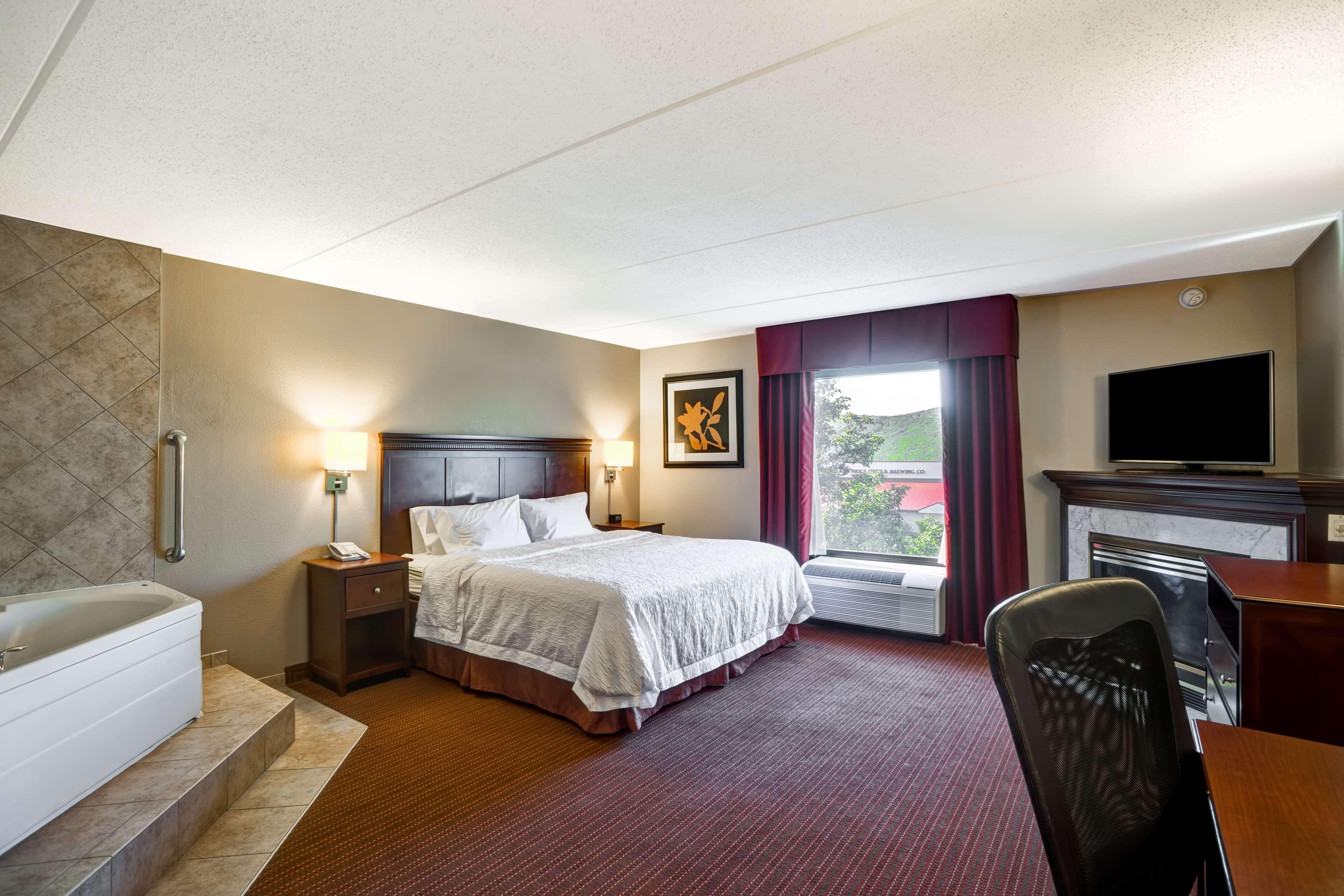 Hampton Inn Scranton At Montage Mountain image 21