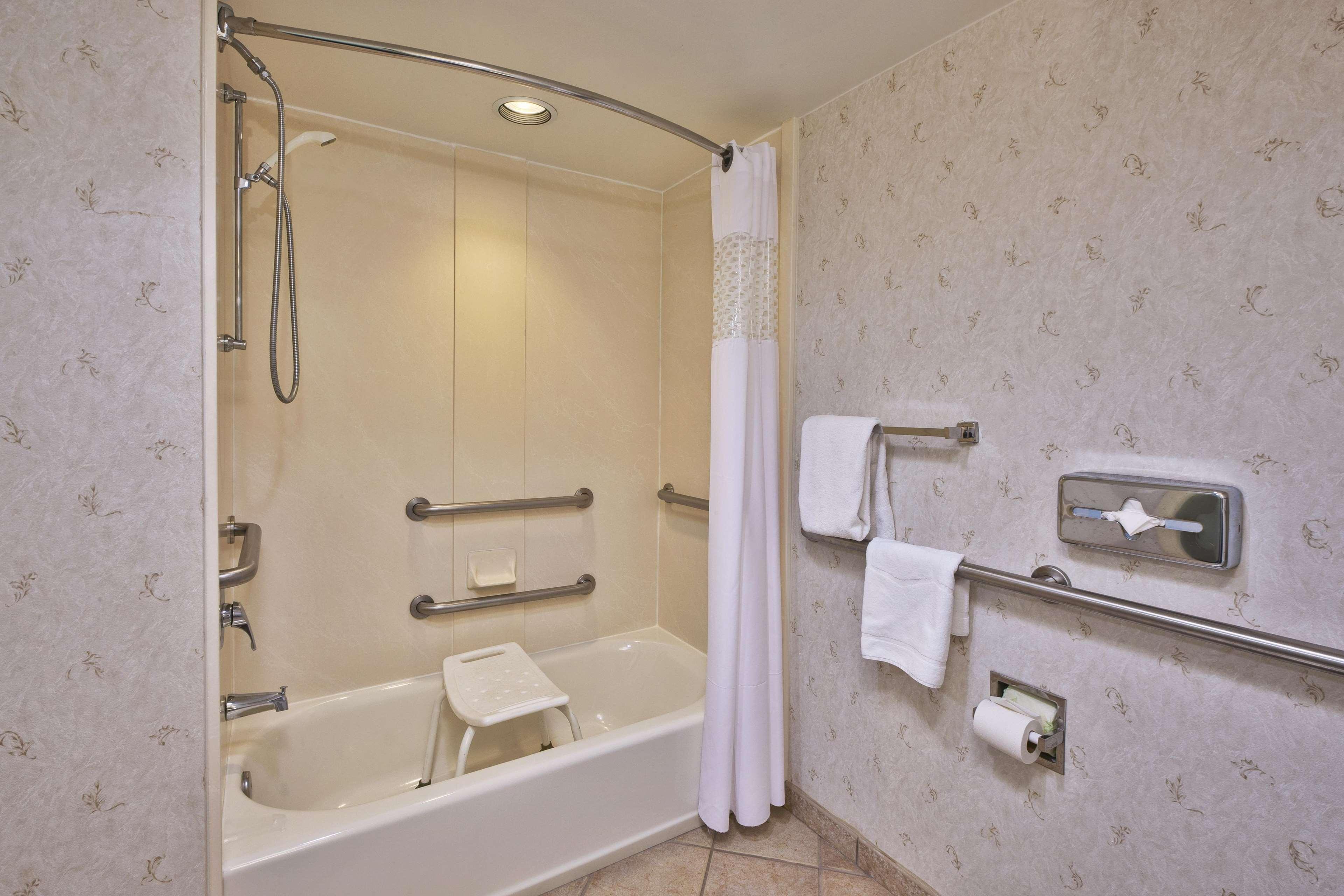 Hampton Inn Dulles/Cascades image 21