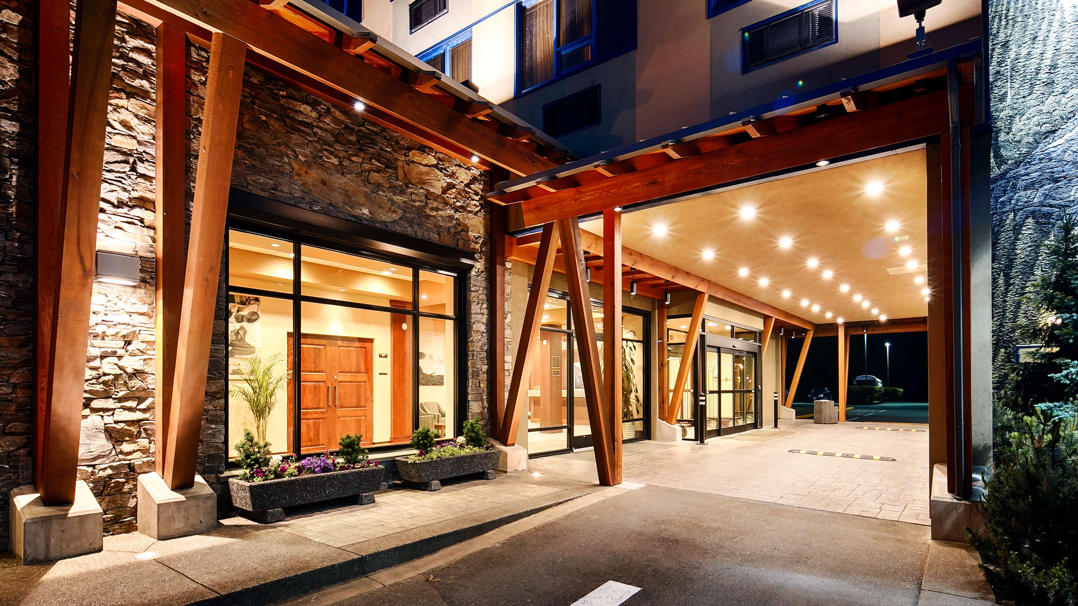 Best Western Plus Barclay Hotel in Port Alberni: Exterior
