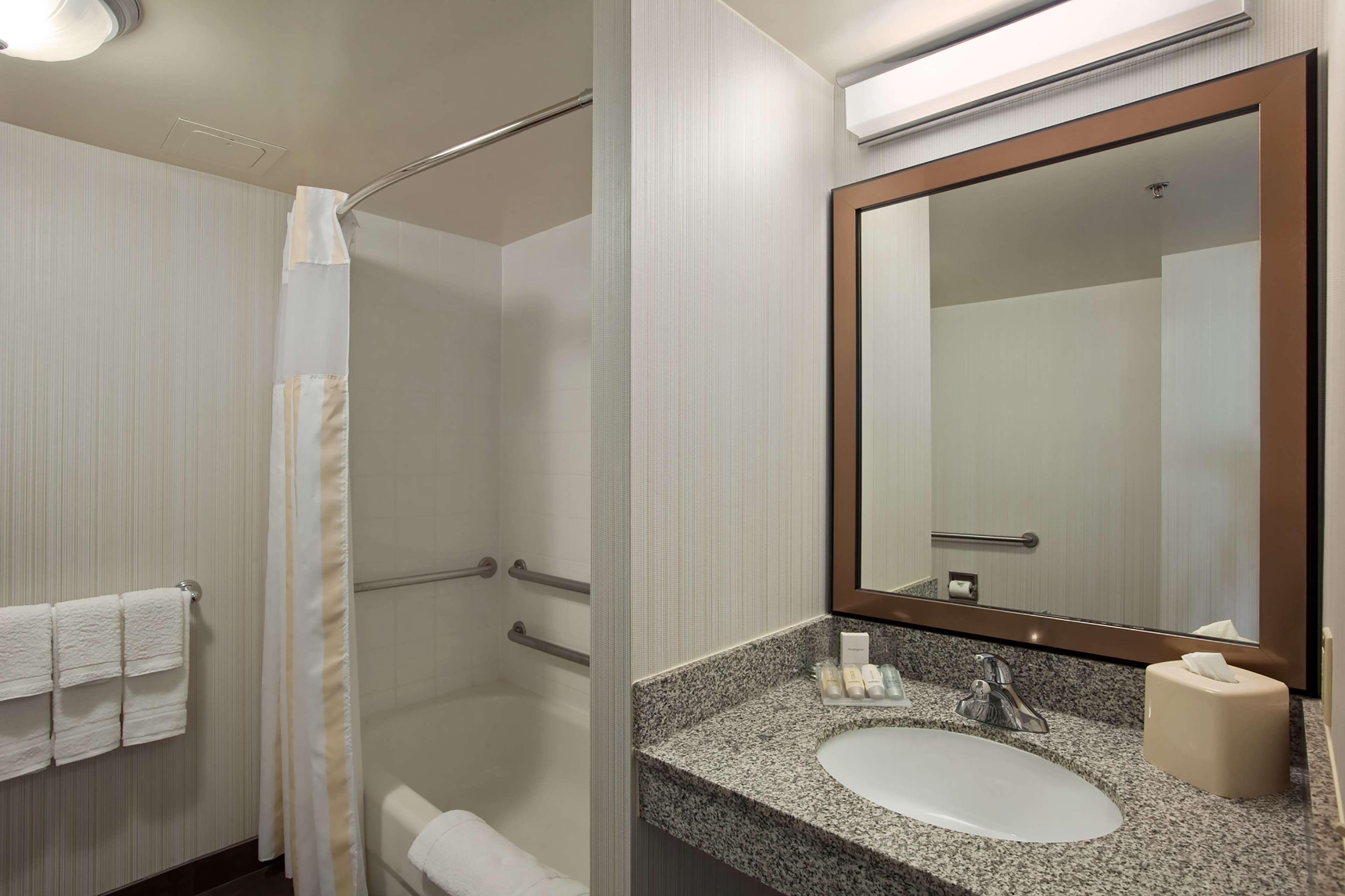 Hilton Garden Inn Hoffman Estates image 12
