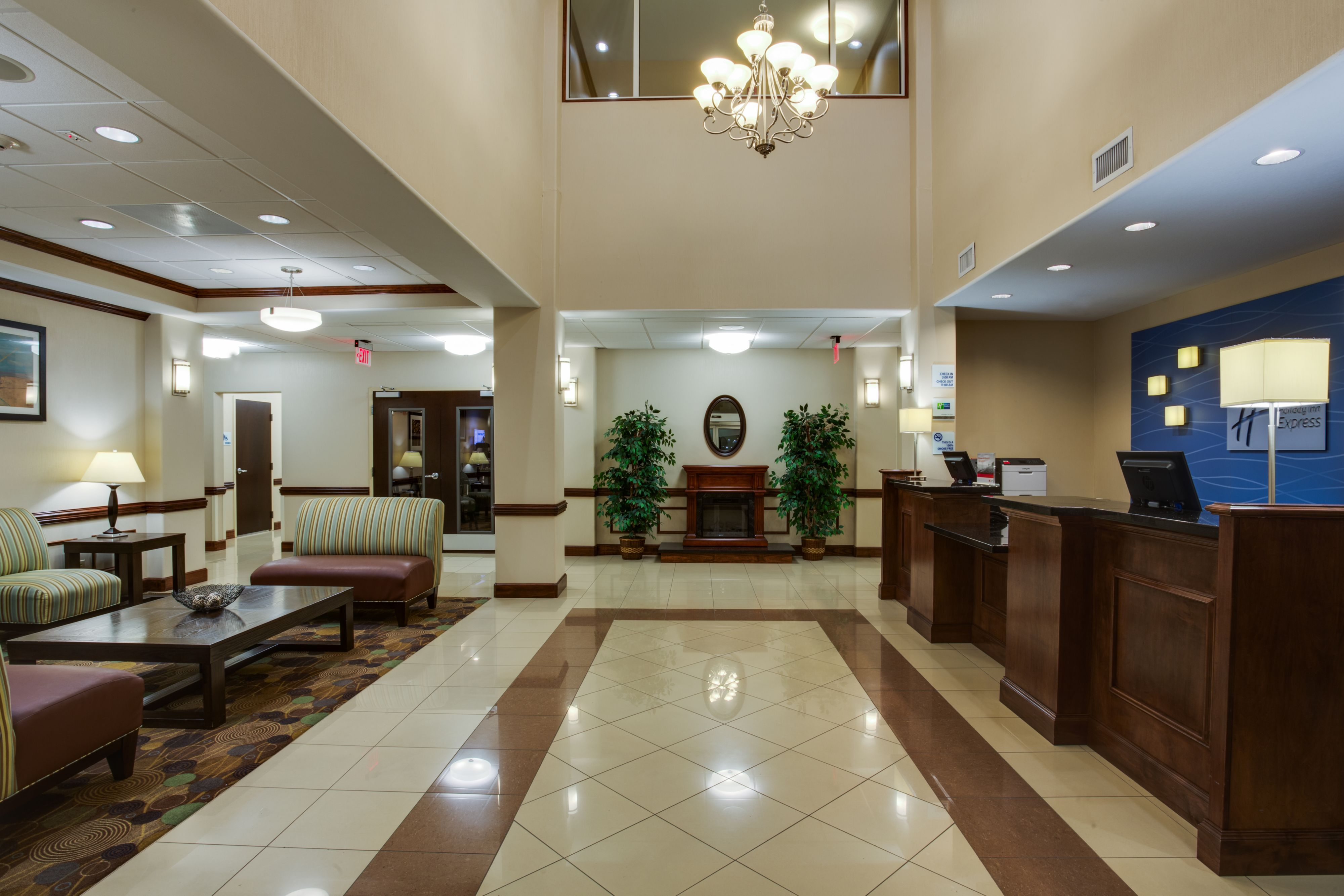 Holiday Inn Express & Suites Moultrie image 4