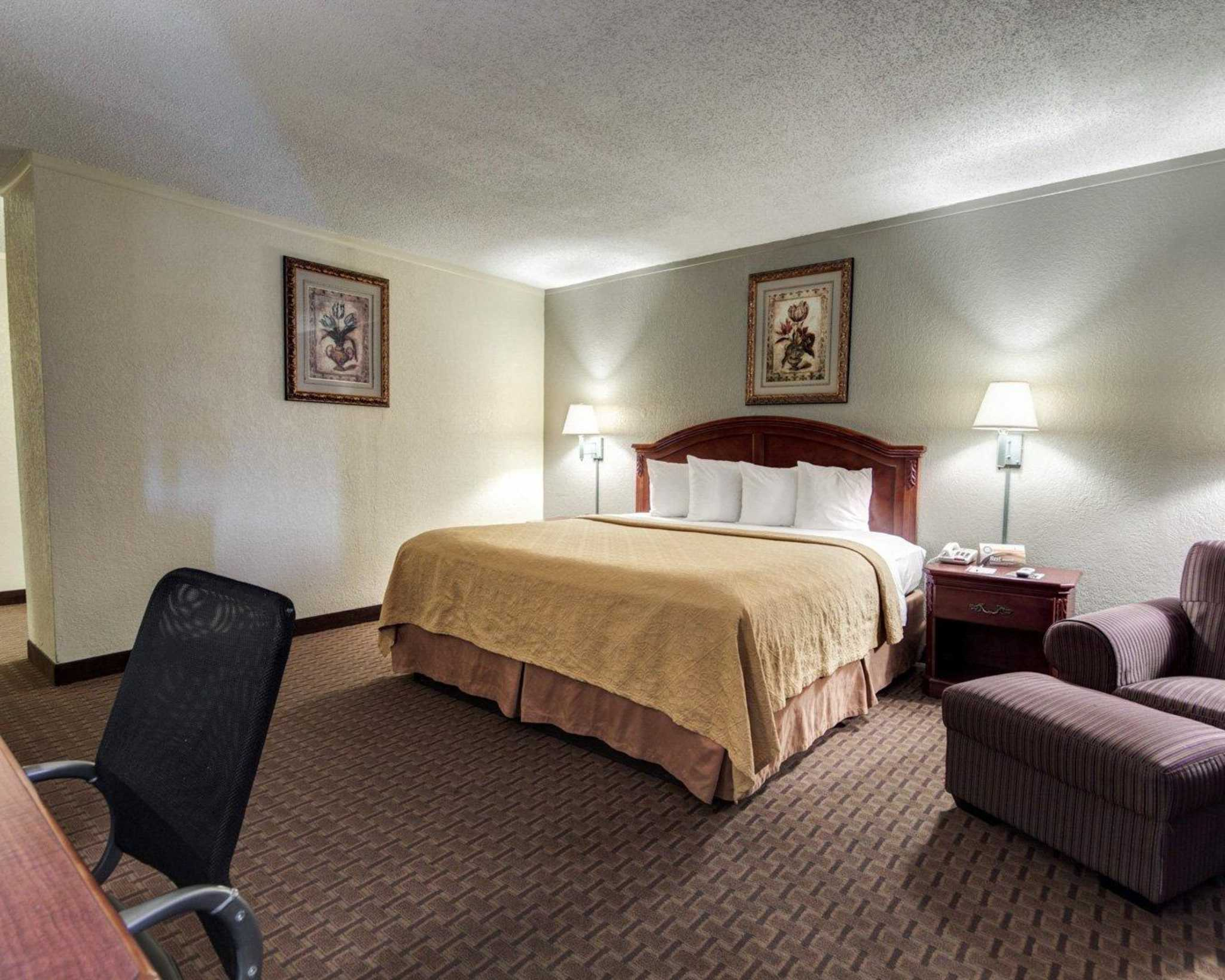 Quality Inn & Suites Airport image 7