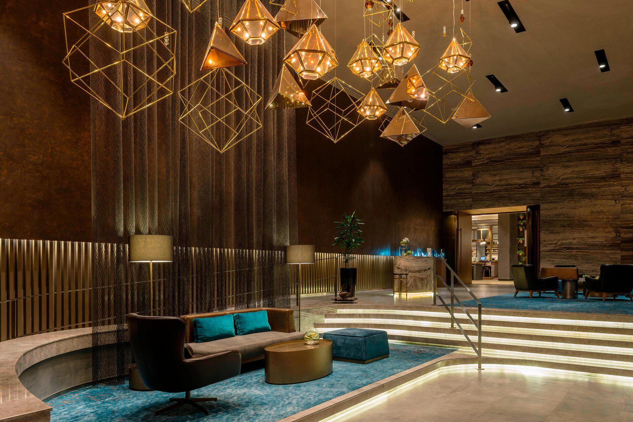 Sheraton Mall of the Emirates Hotel, Dubai