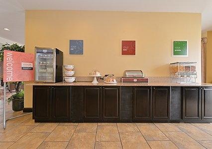 Comfort Suites Jackson-Cape Girardeau image 7
