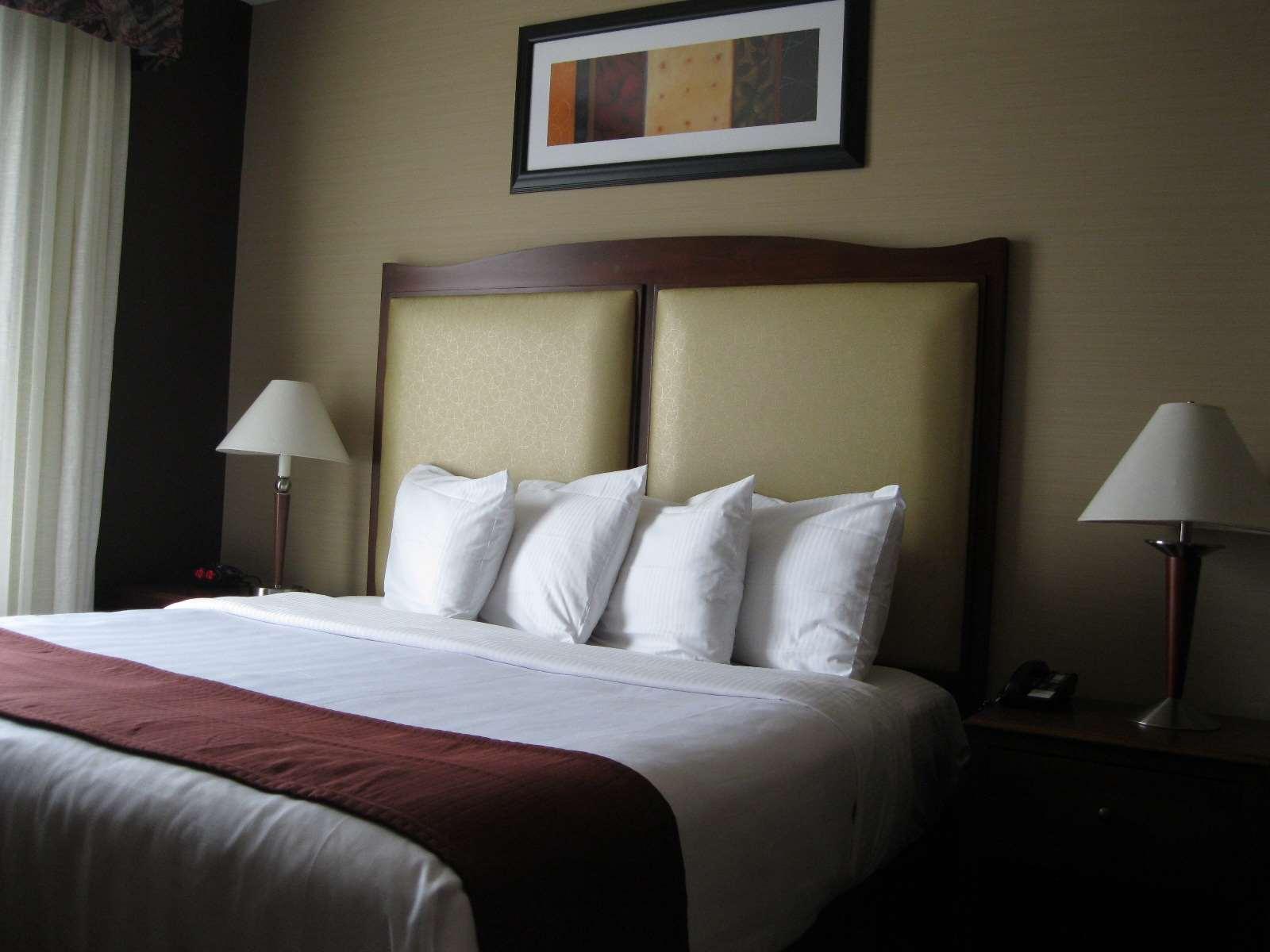 Best Western Plus Hannaford Inn & Suites image 17