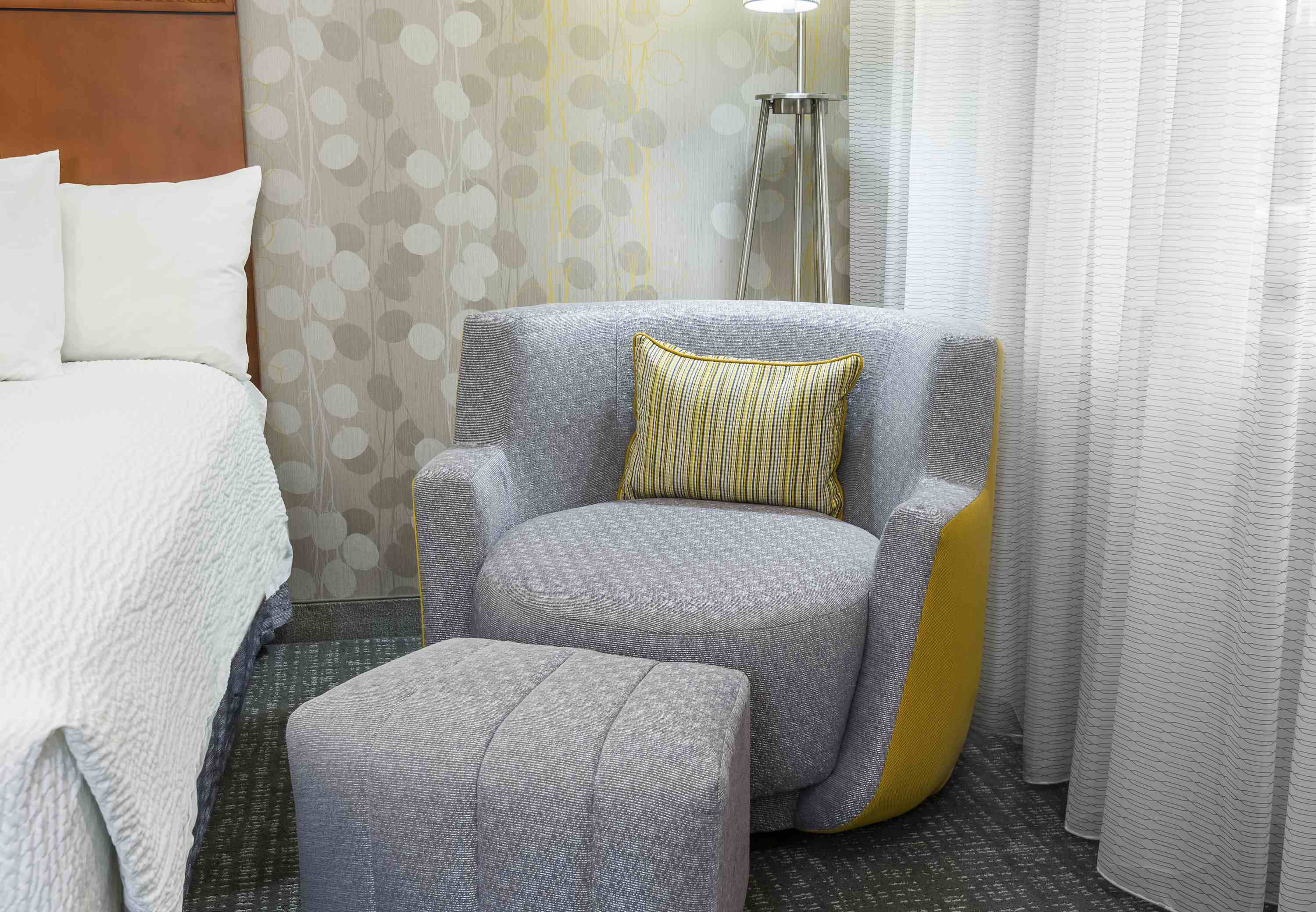 Courtyard by Marriott Mobile image 6