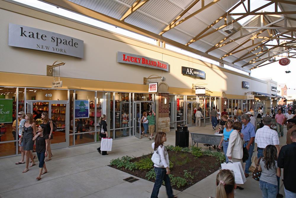 Houston Premium Outlets image 17