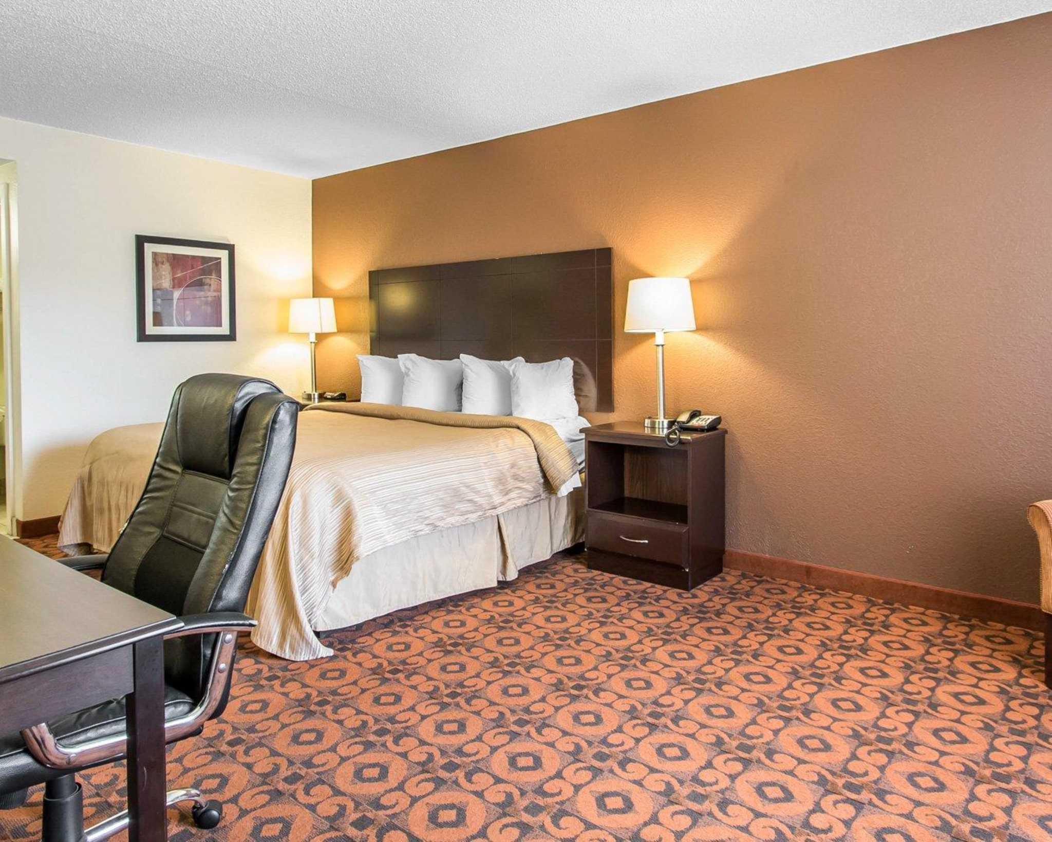 Quality Inn & Suites Fairgrounds West image 29