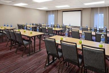 Courtyard by Marriott Pittsburgh Airport image 14