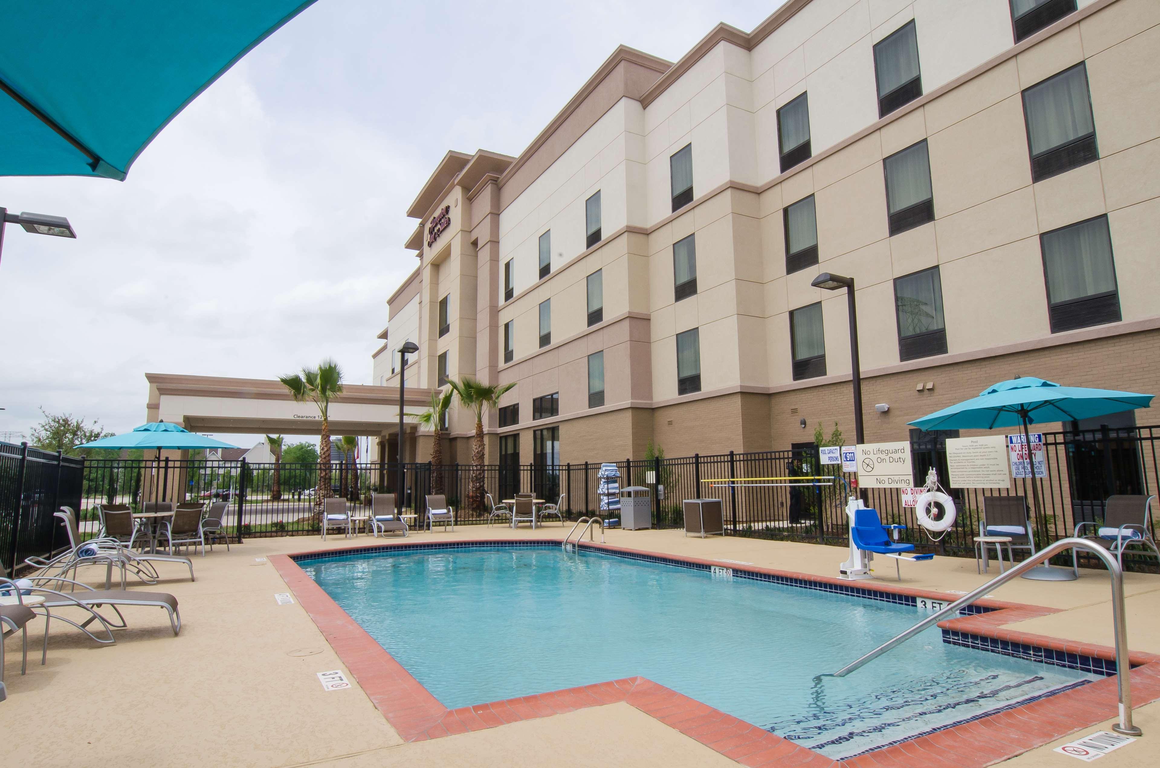 Hampton Inn & Suites Houston North IAH image 6