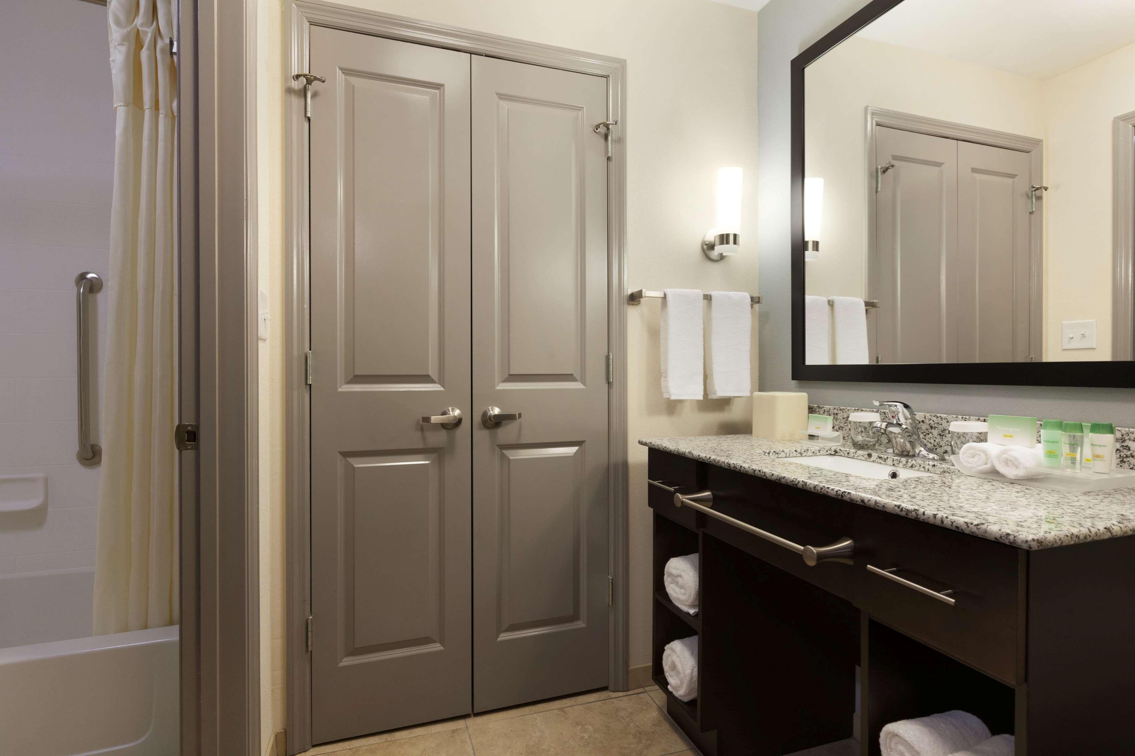 Homewood Suites by Hilton Huntsville-Downtown, AL image 9