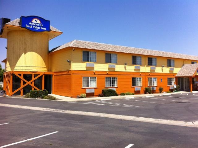 Americas Best Value Inn Dunnigan image 0
